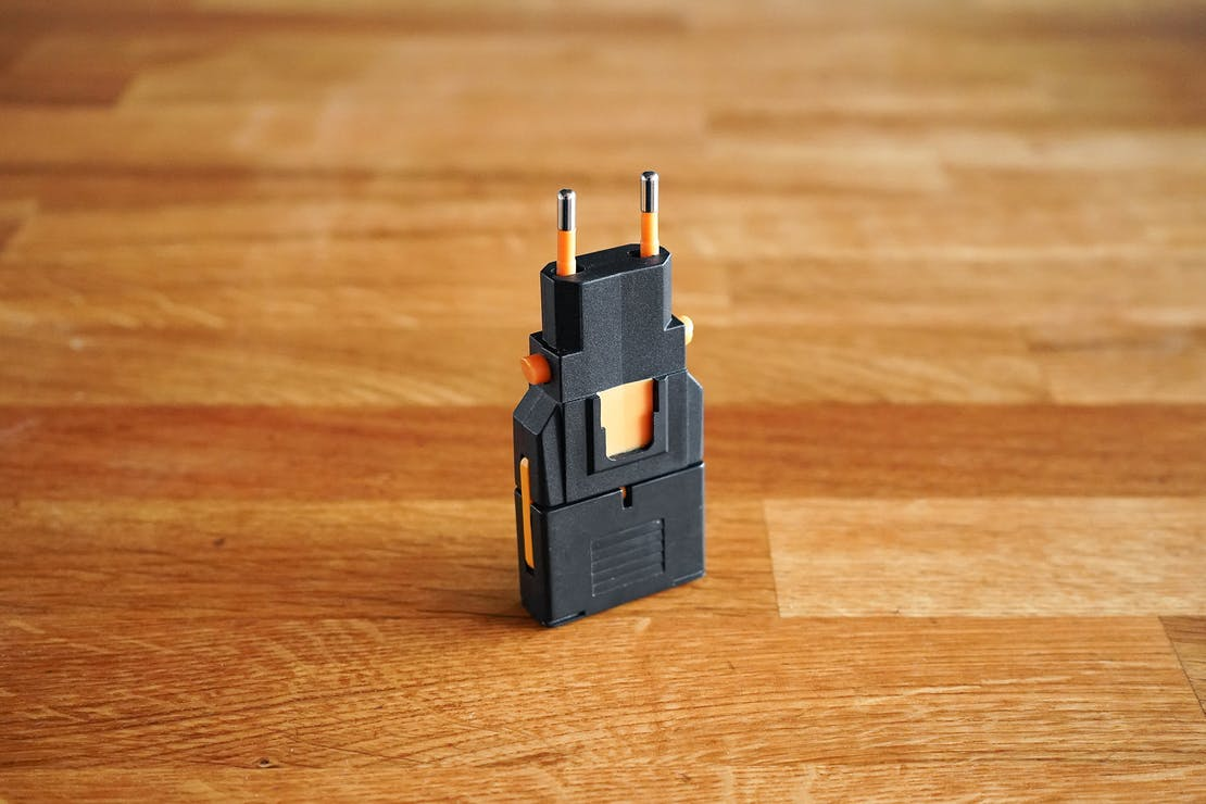Kikkerland Travel Adapter