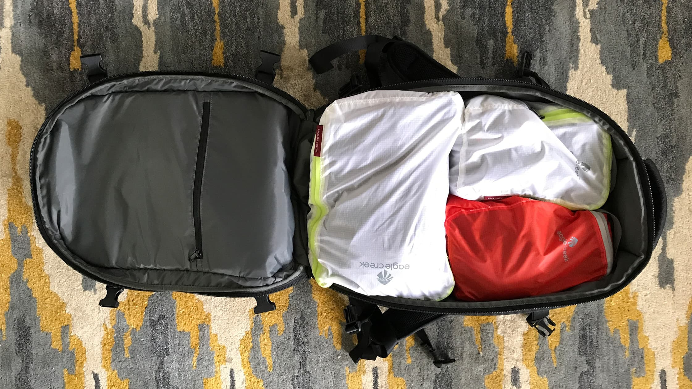 Aer Travel Pack Clamshell
