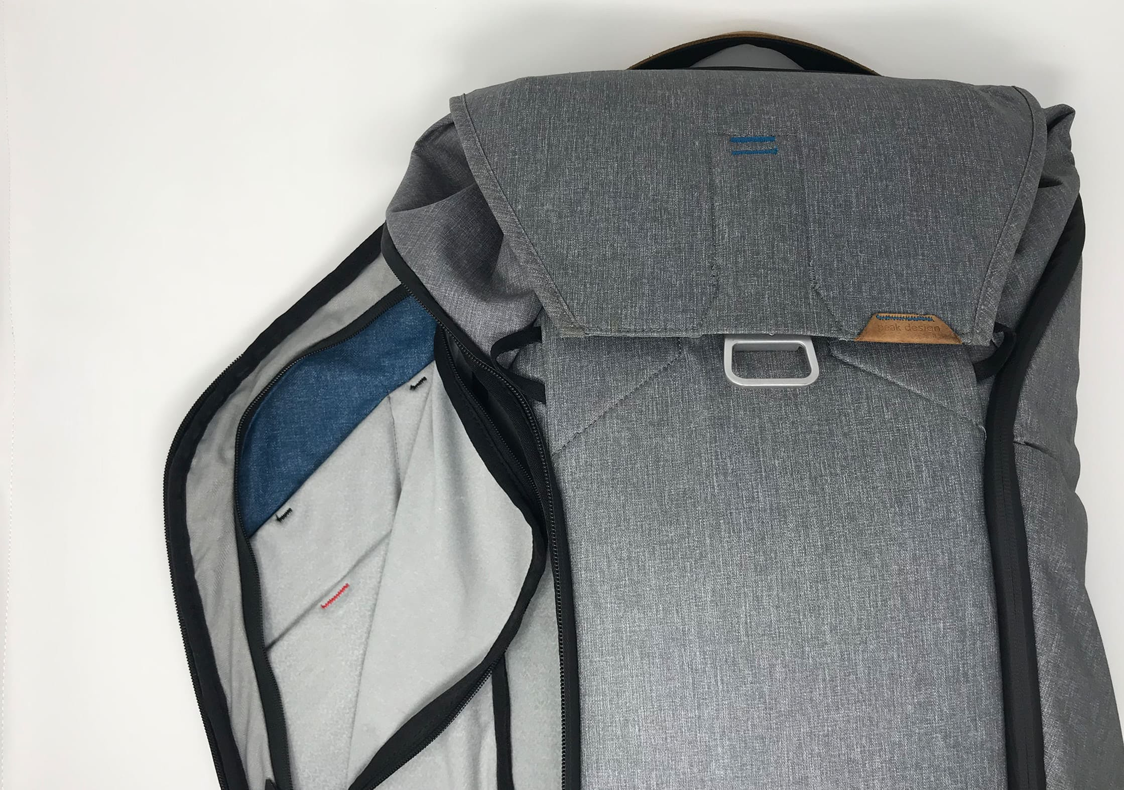 Peak Design Everyday Backpack internal pockets/
