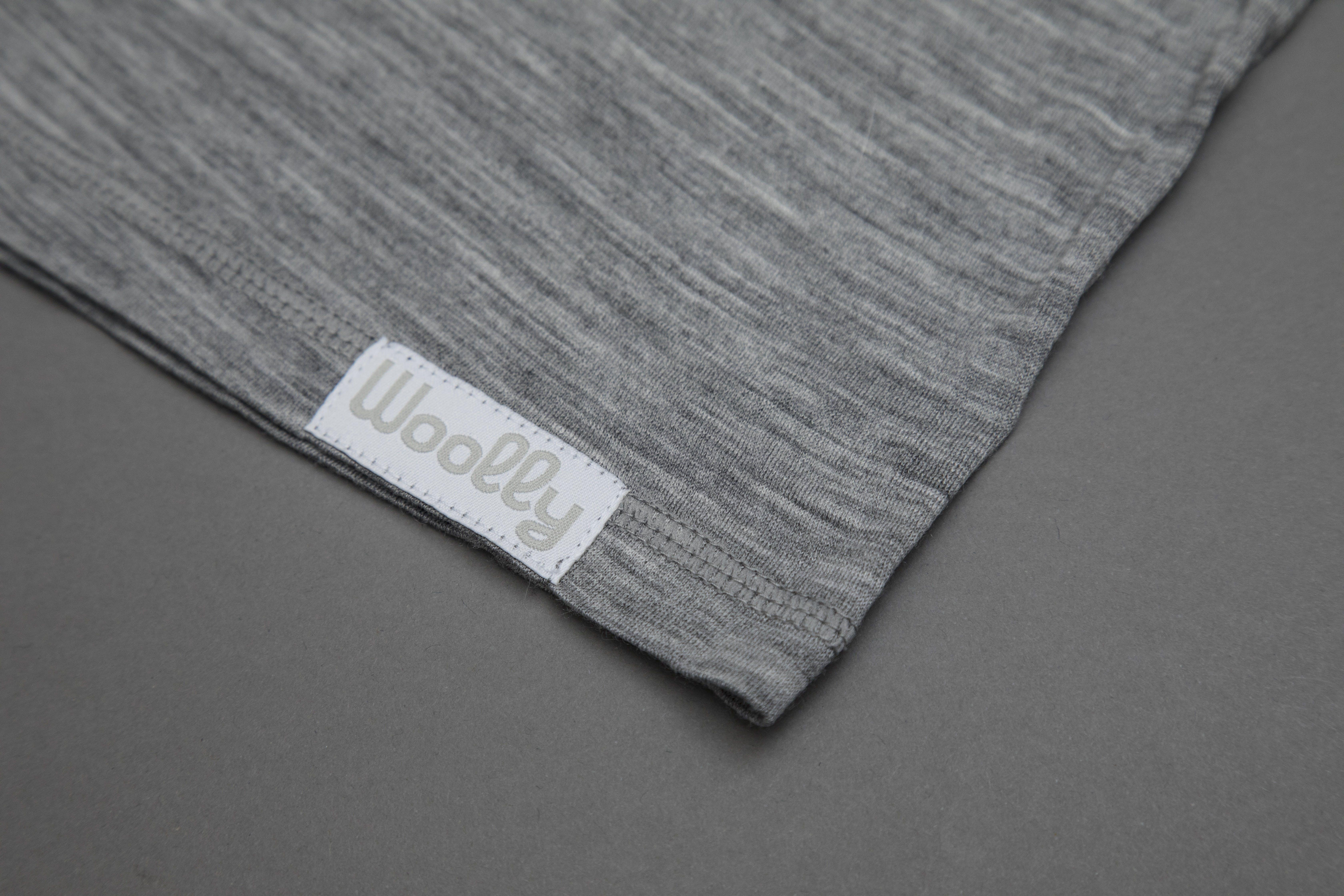 Woolly Ultralight V-Neck Logo