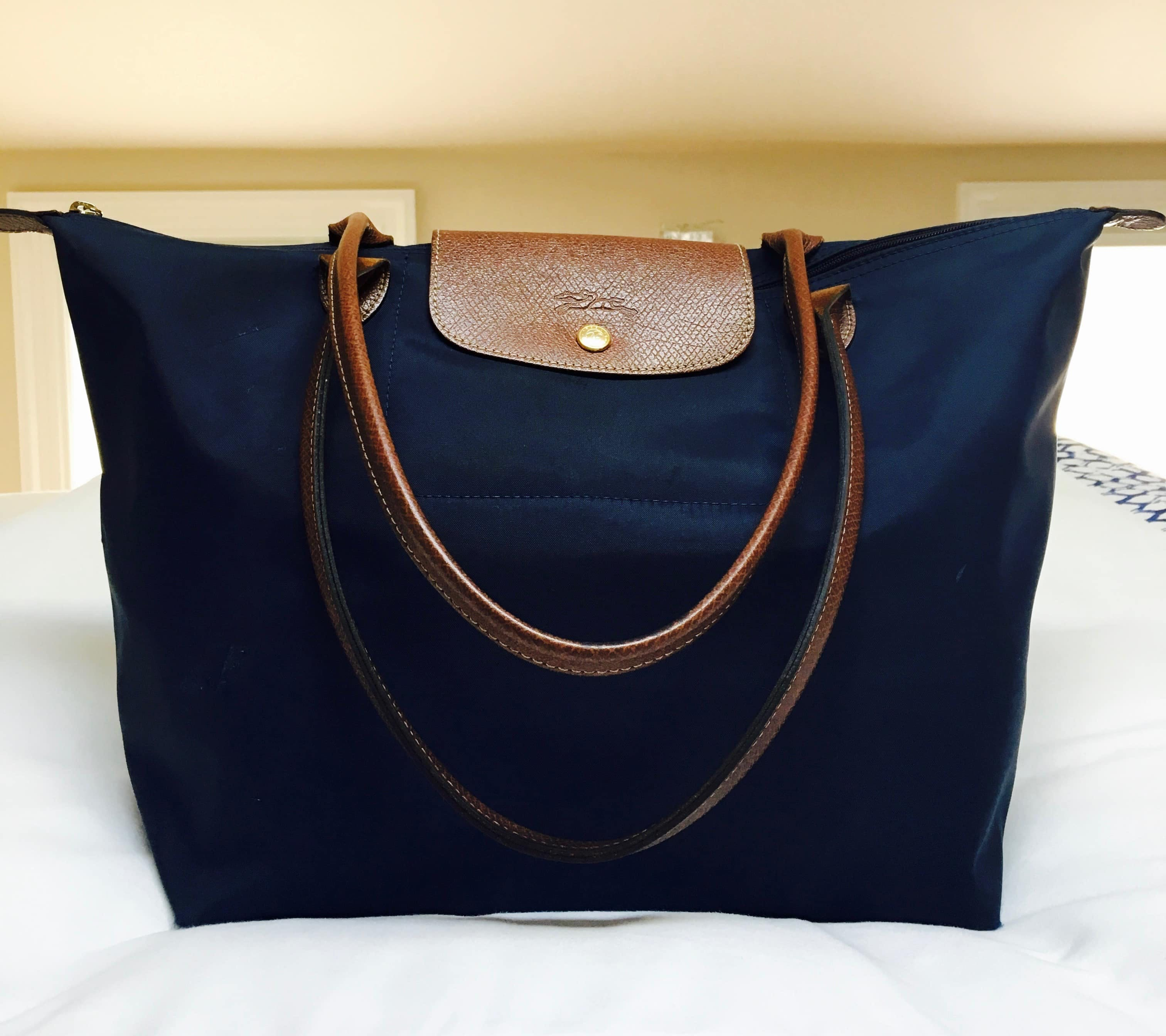b64db85fce6d Longchamp Le Pliage Travel Tote Review