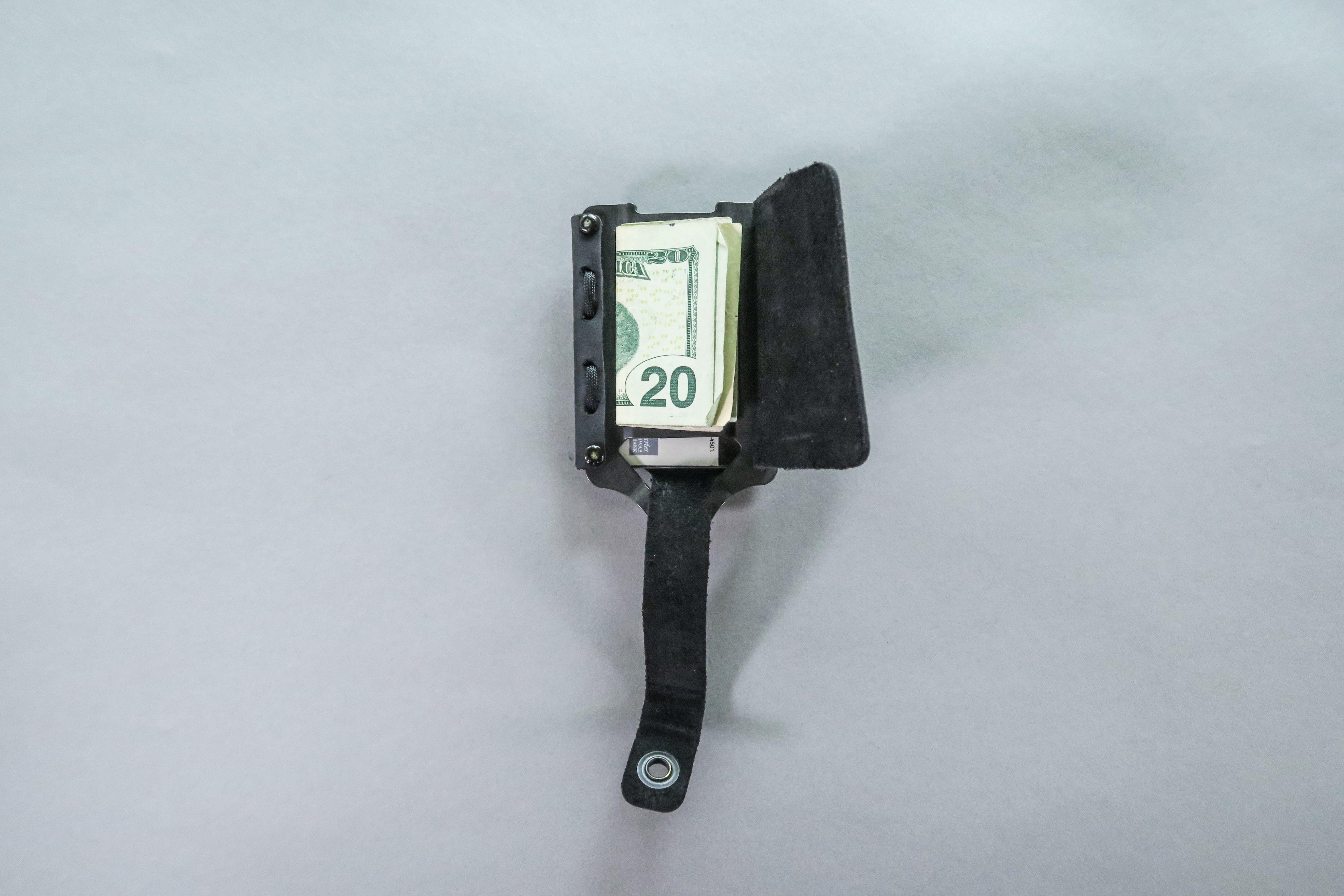 Trayvax Element Money Clip