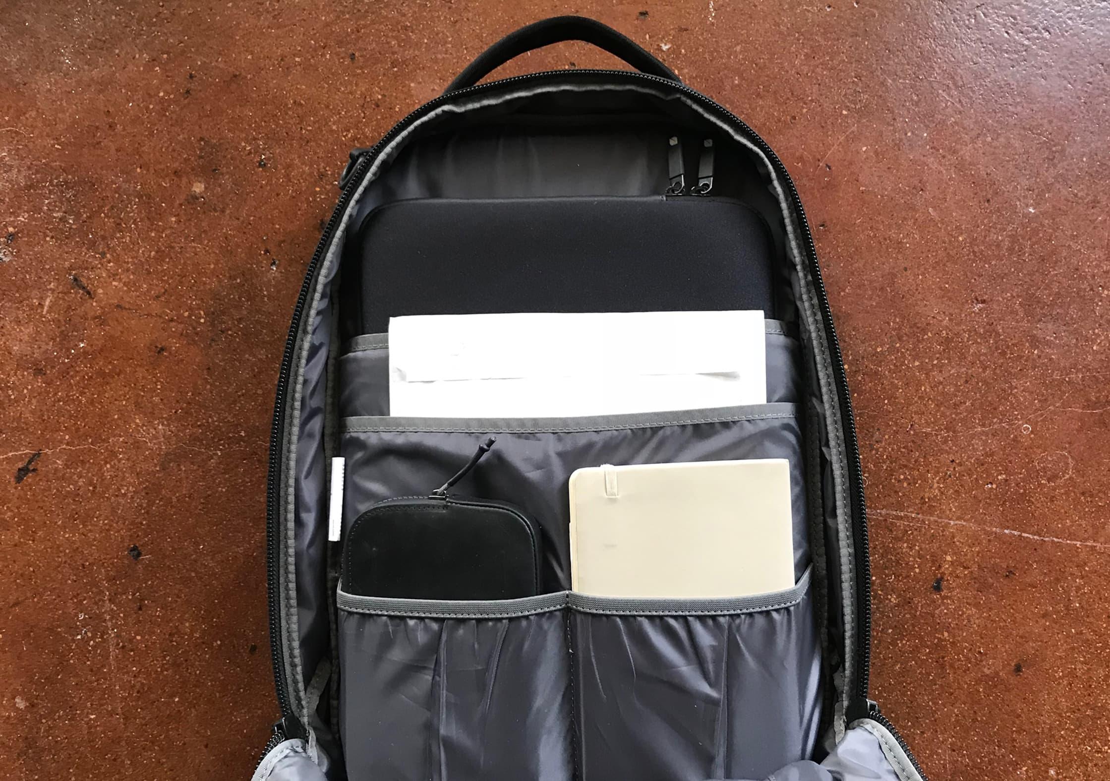 Aer Flight Pack Clamshell Organization Pockets