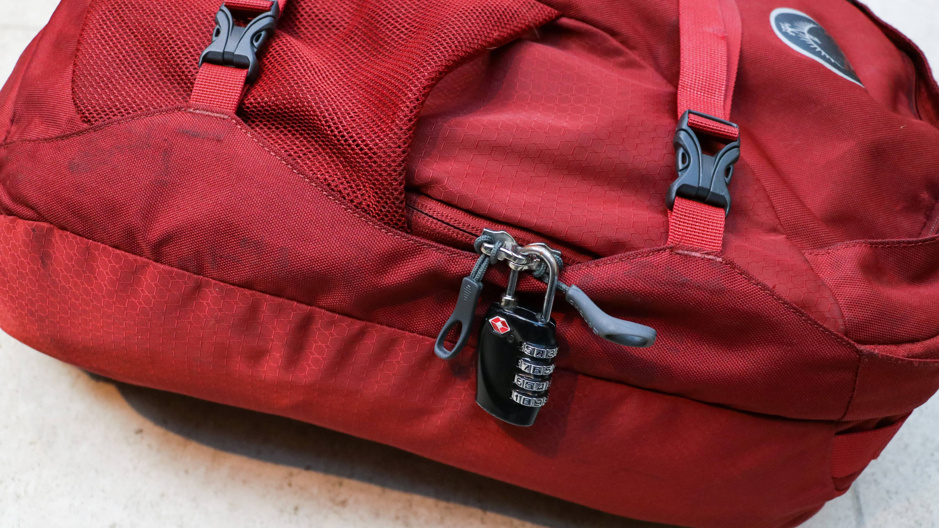 Osprey Farpoint 40 Lockable Zips