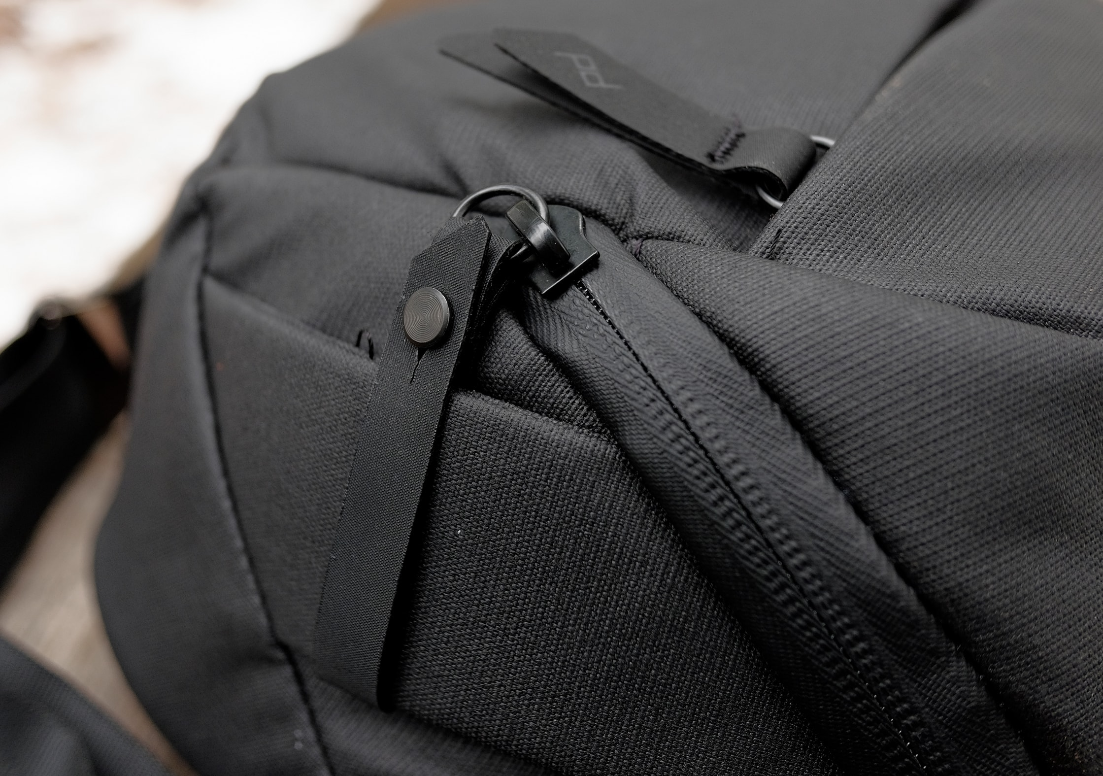 Peak Design Everyday Sling 5L Lockable Zippers