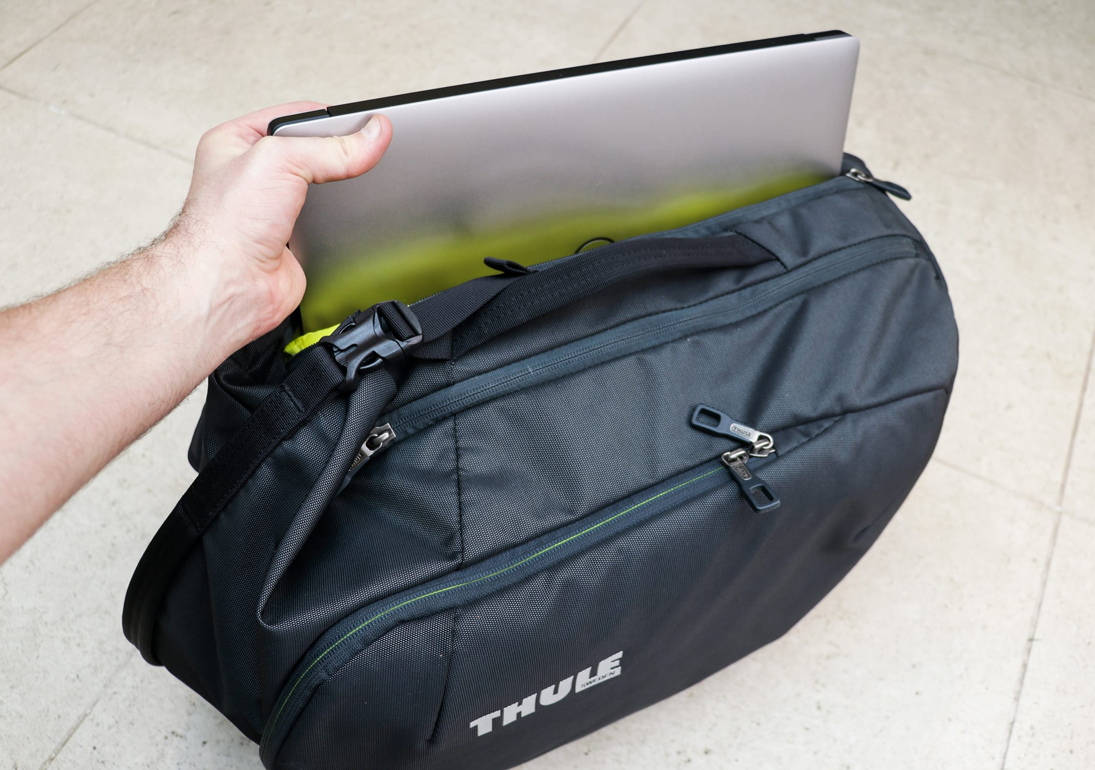 Thule Subterra 34L Laptop Compartment