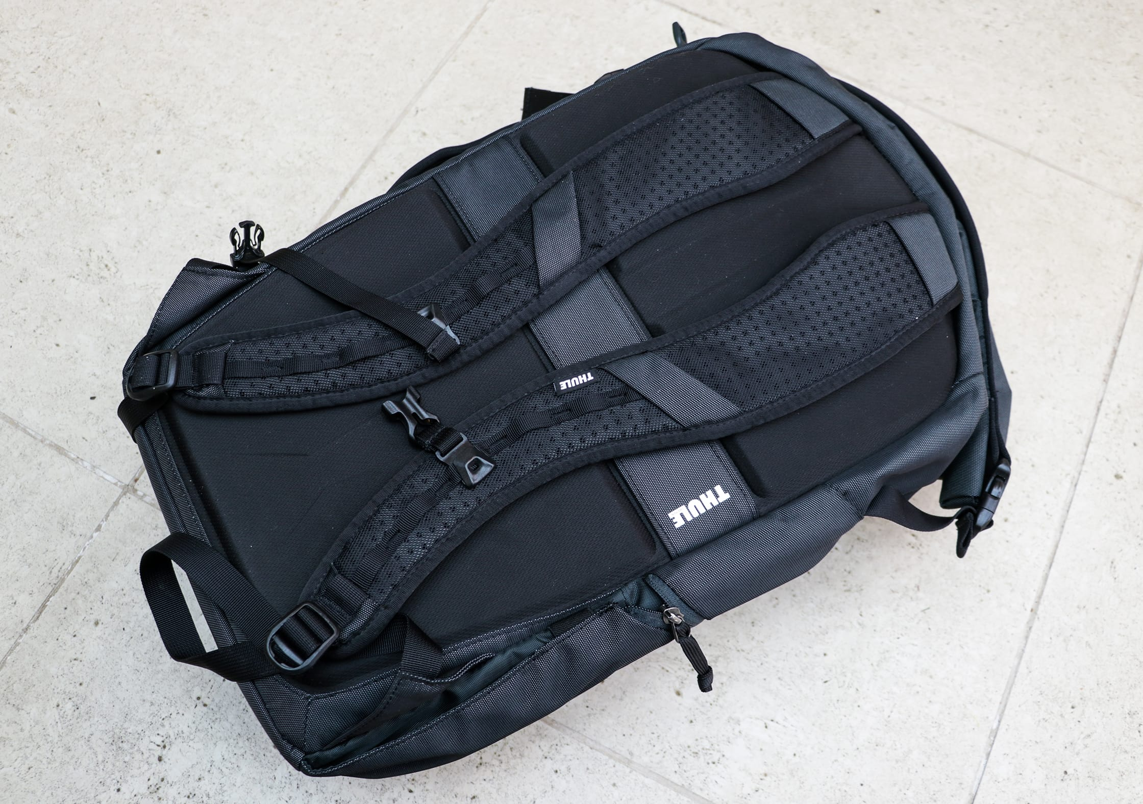 Shoulder Straps on the Thule Subterra