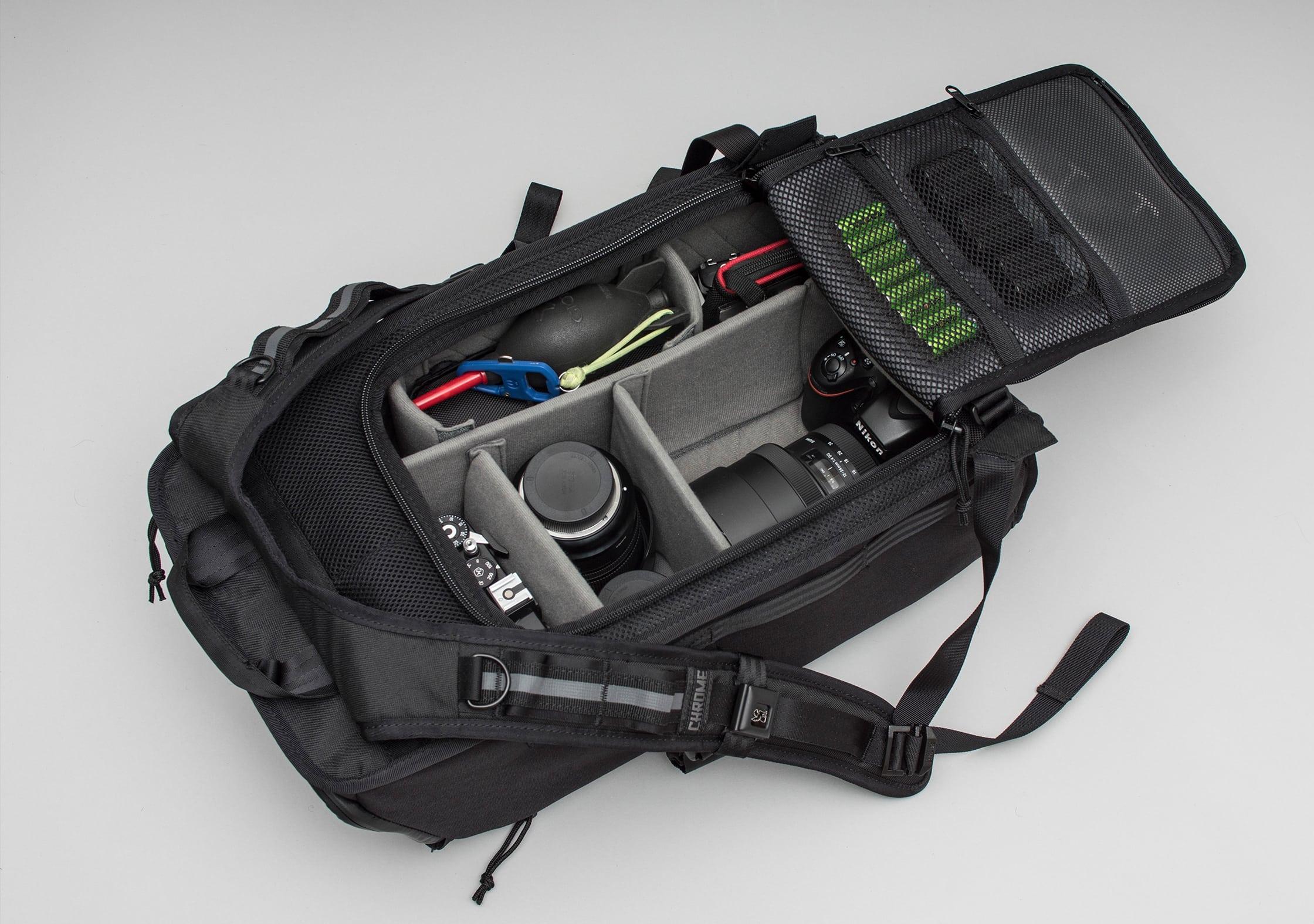 Chrome Niko Main Compartment