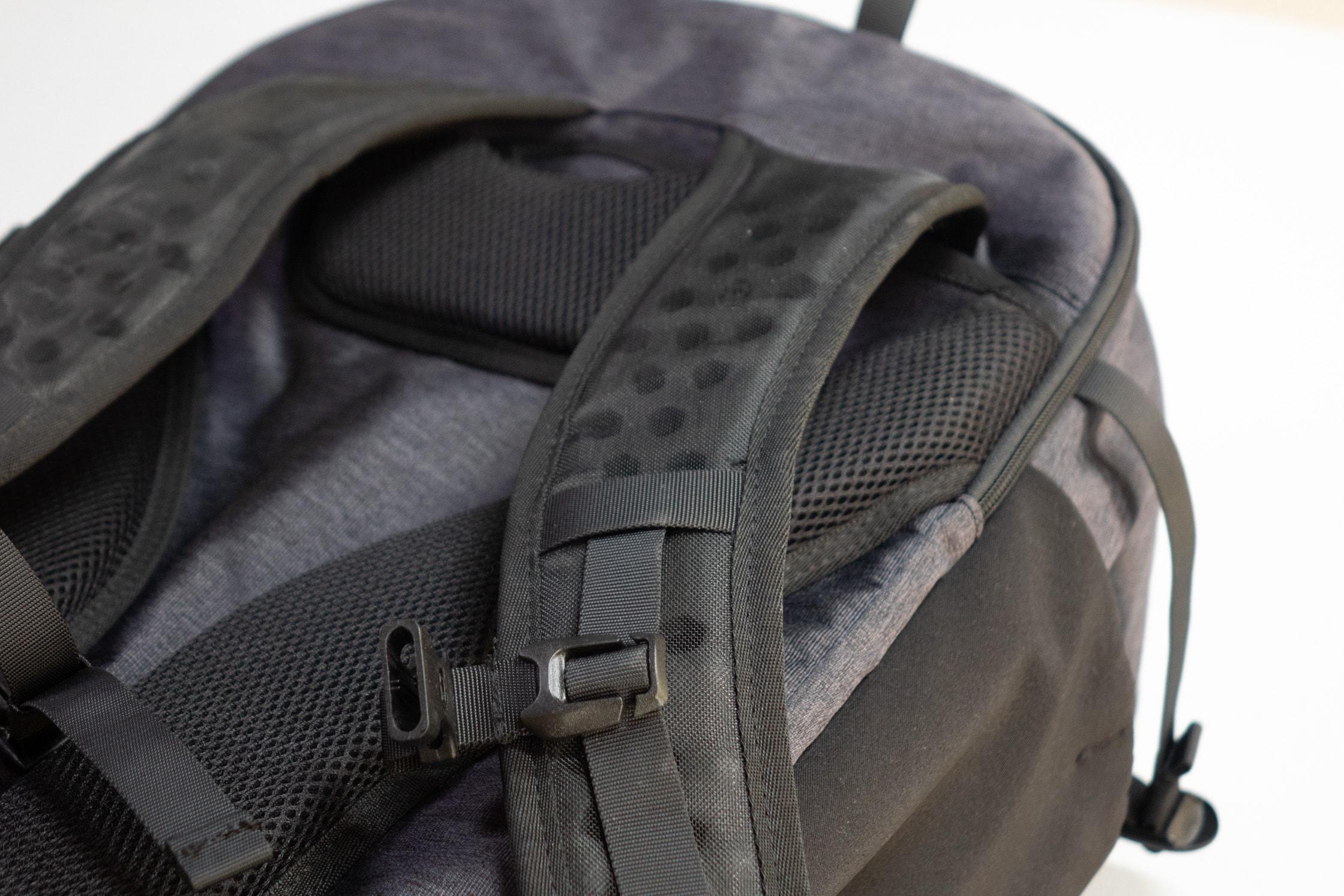 Tortuga Setout Shoulder Straps & Padded Back Panel