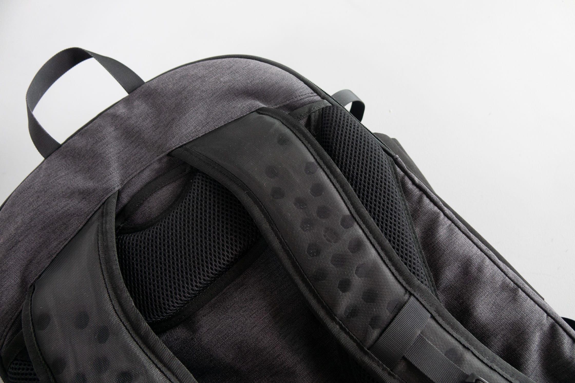 Tortuga Setout Shoulder Strap Detail