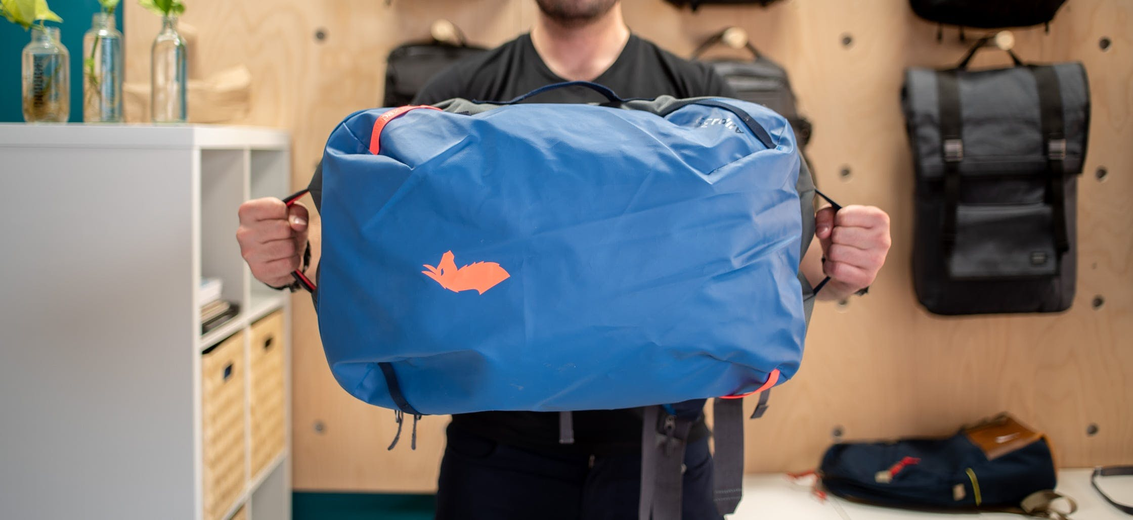 Cotopaxi Allpa Easy-To-Grab Handles