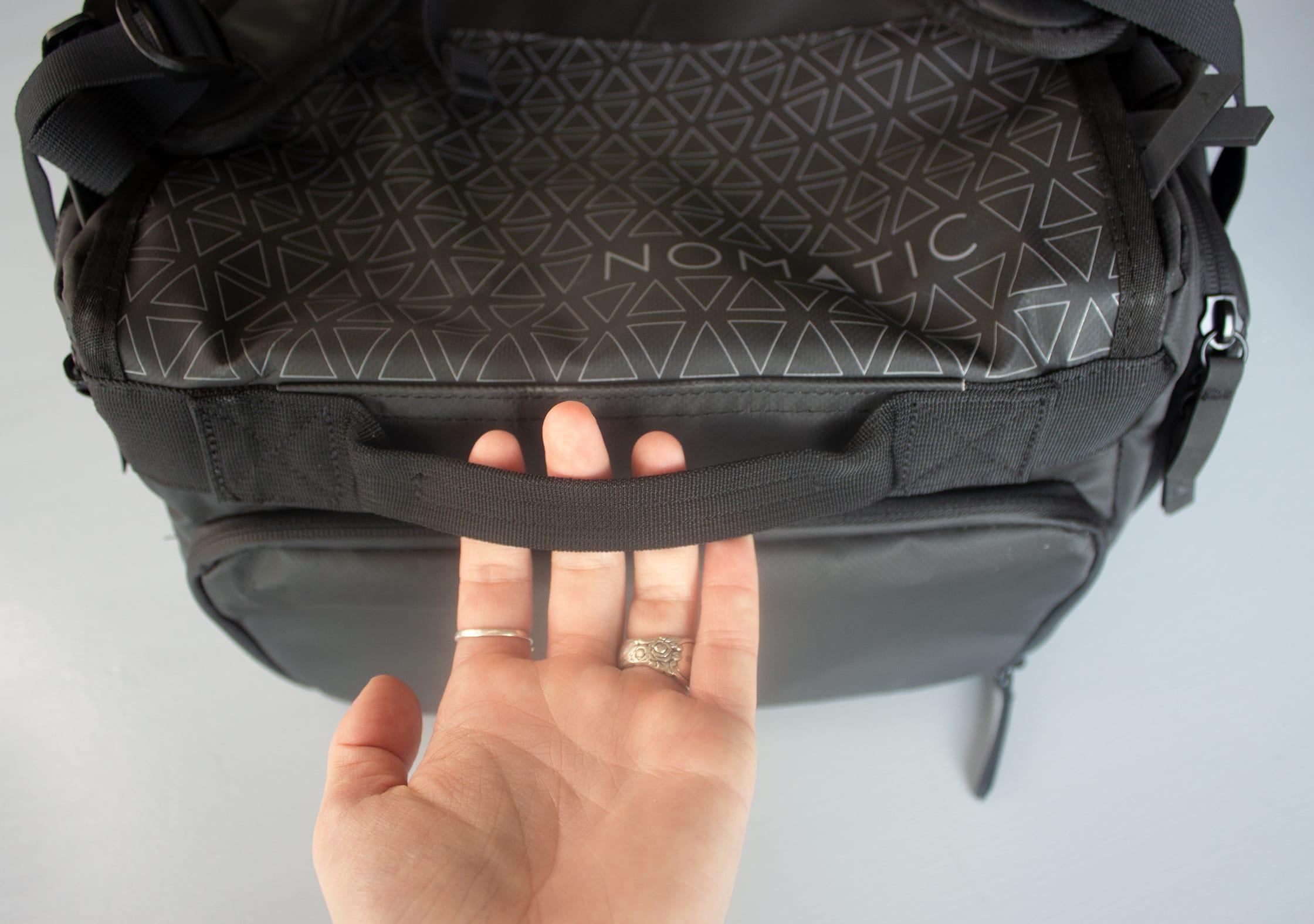 NOMATIC Travel Bag Bottom Handle