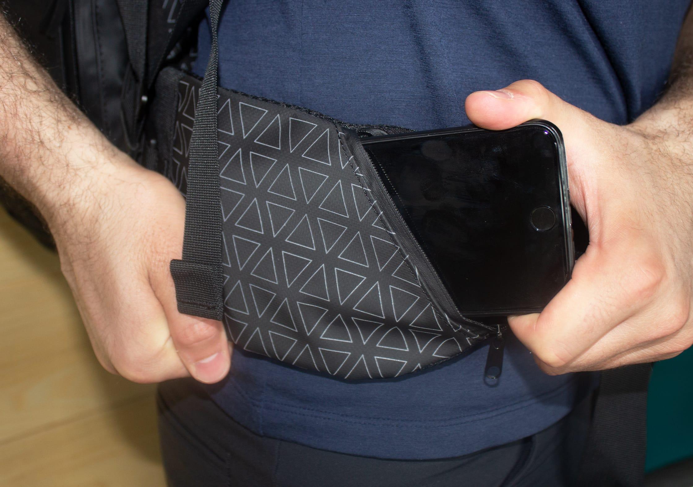 NOMATIC Travel Bag Hip Belt Pocket