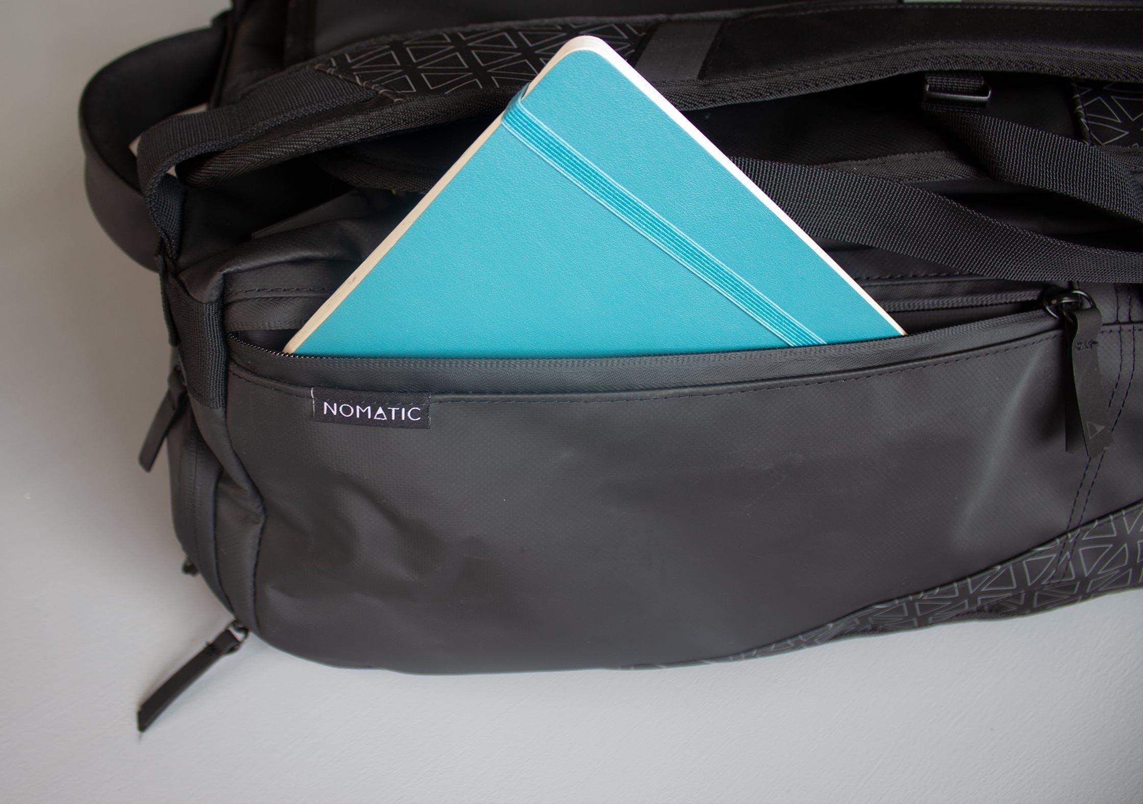 NOMATIC Travel Bag 2/3 Length Side Pocket