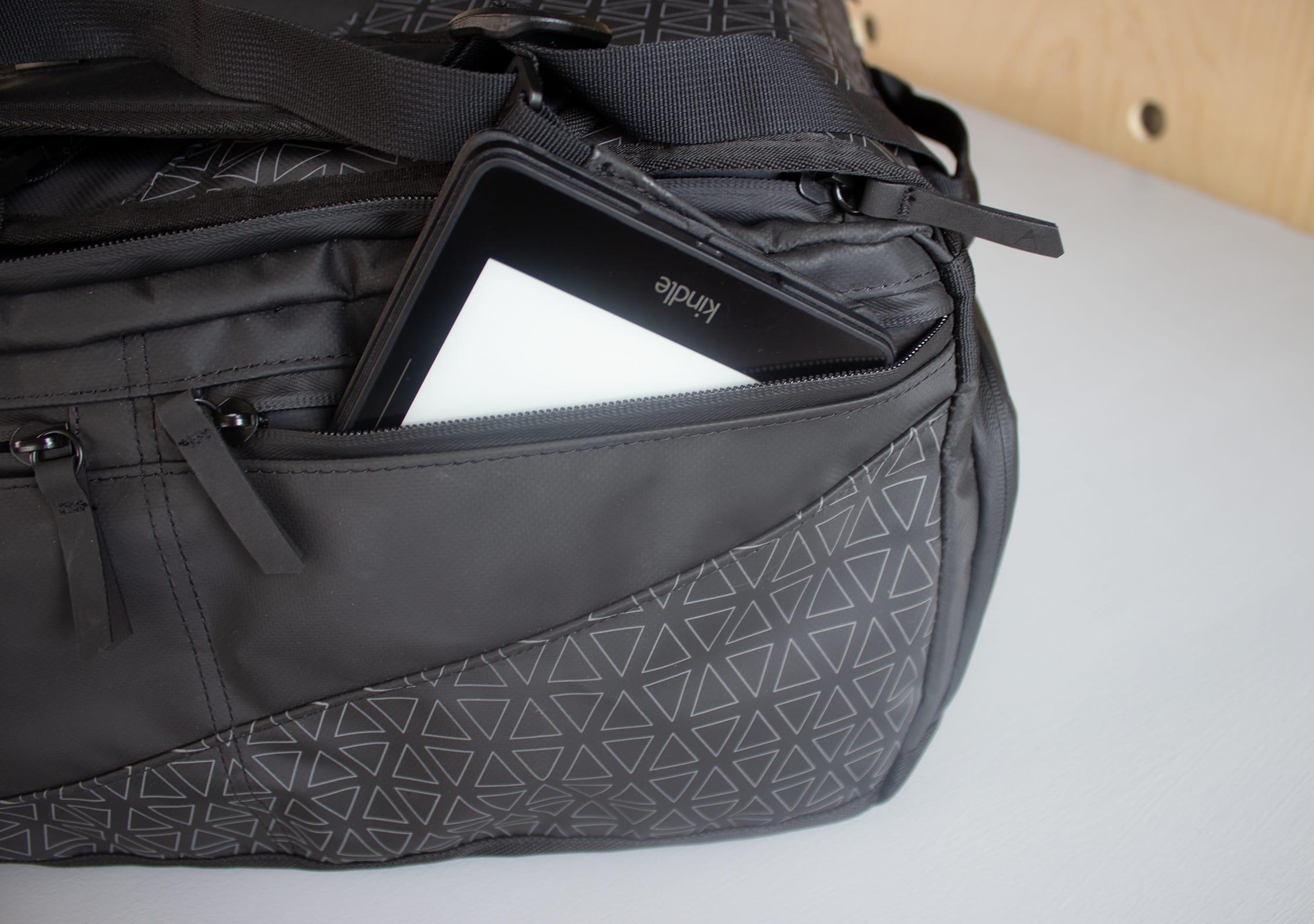 NOMATIC Travel Bag 1/3 Length Side Pocket