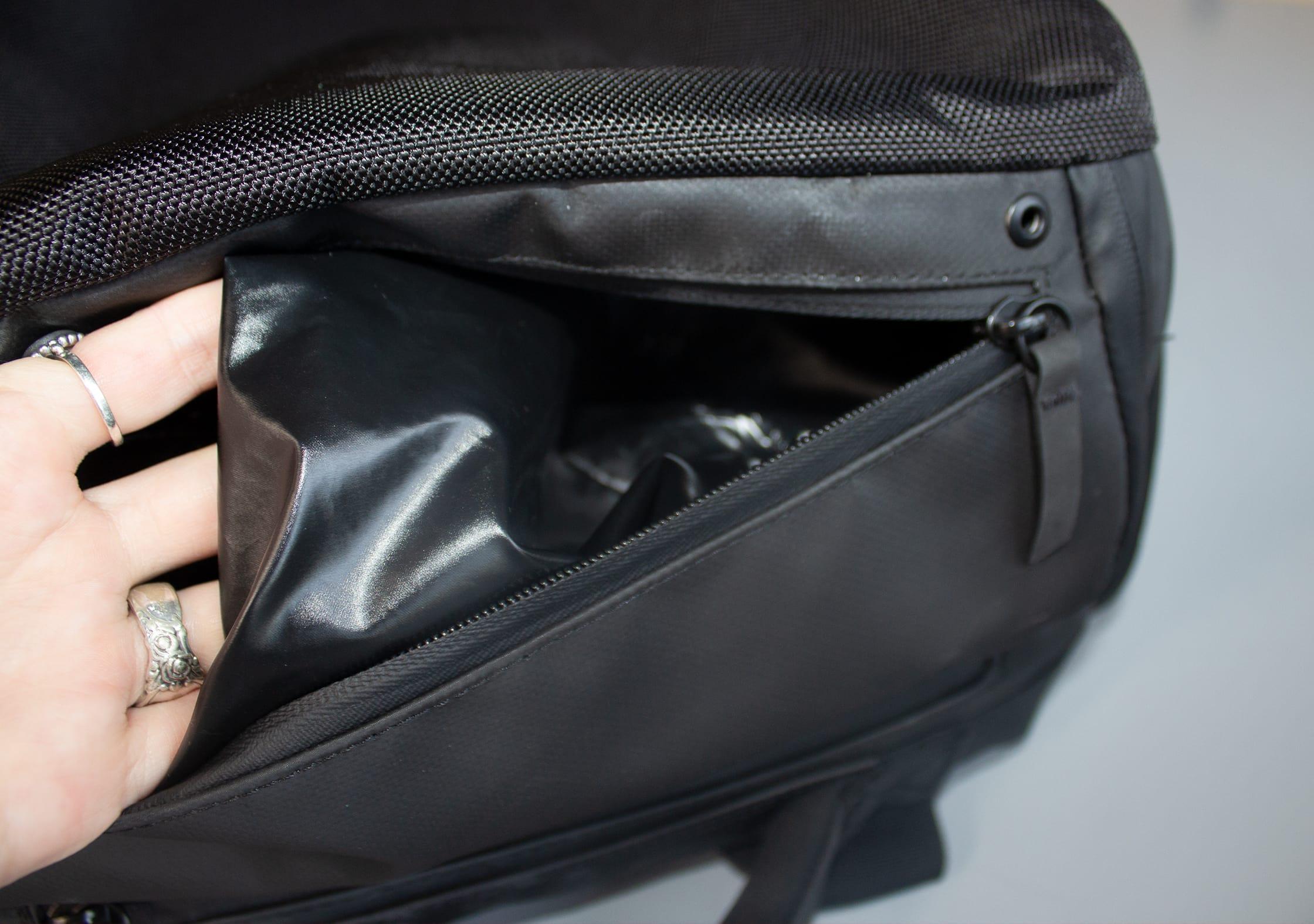 NOMATIC Travel Bag Water Bottle Pocket