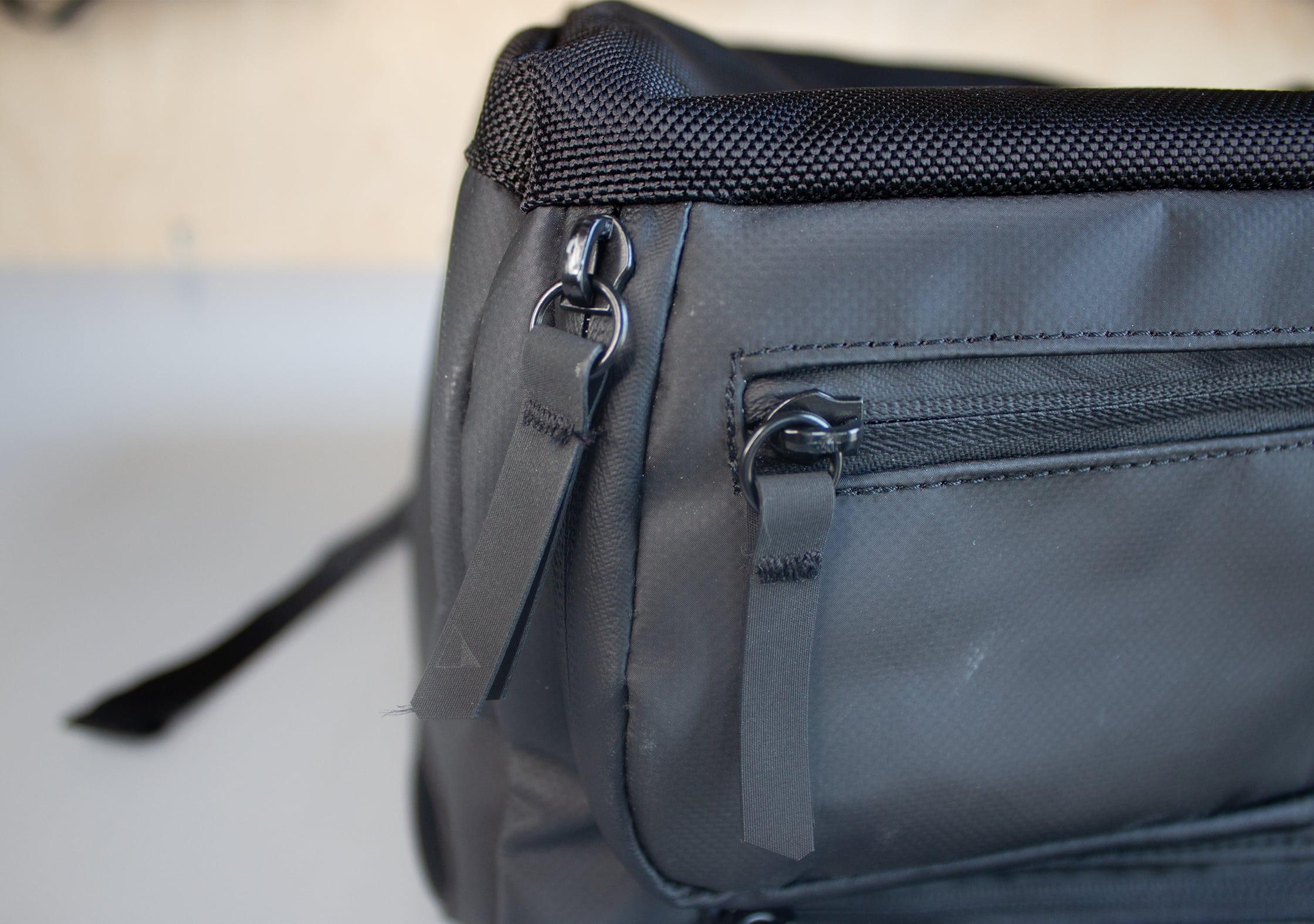 NOMATIC Travel Bag Zipper Pulls