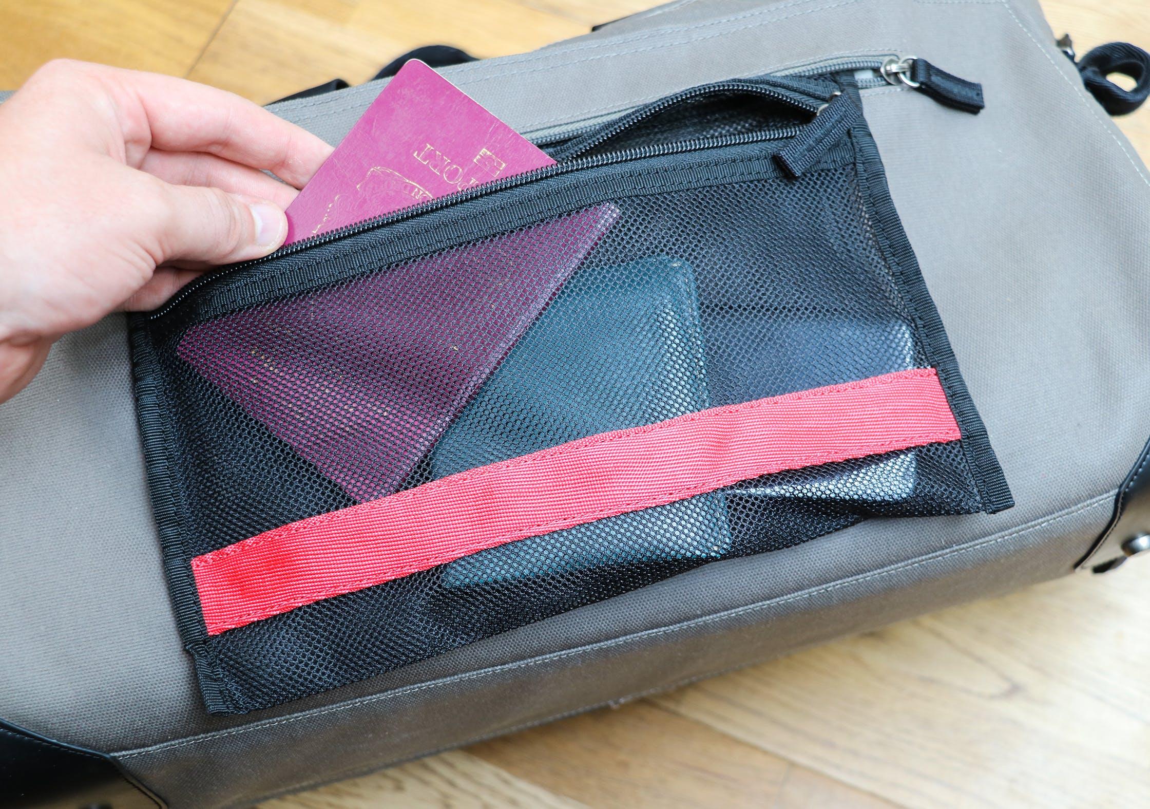 Pakt One TSA Pocket