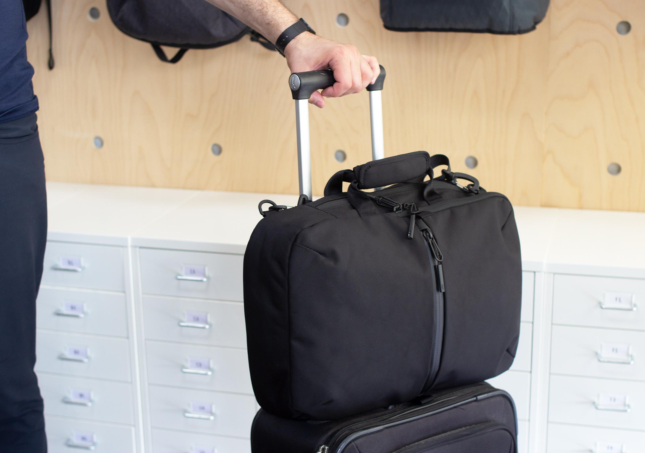 Aer Flight Pack 2 On Luggage