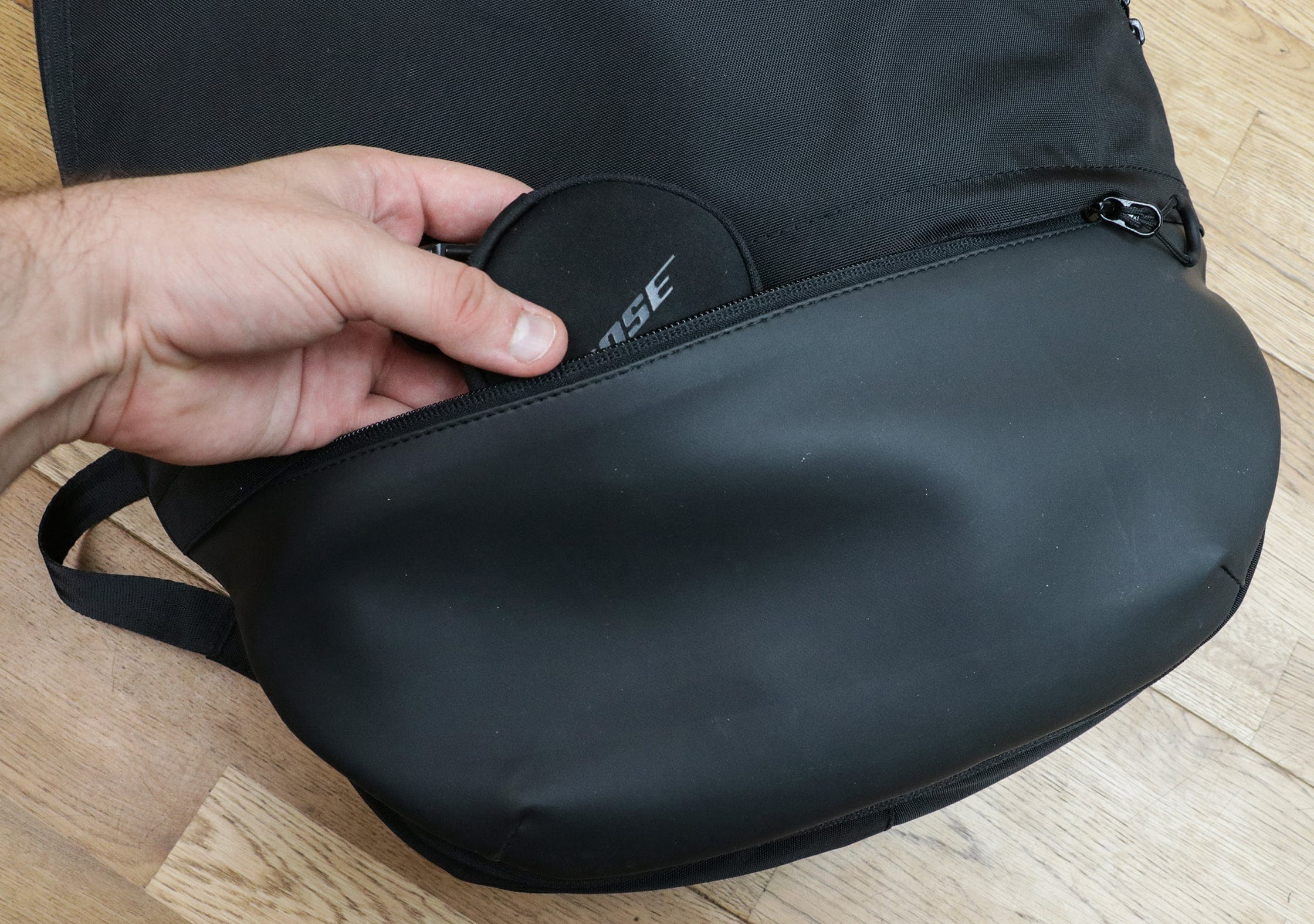 OPPOSETHIS Invisible Carry-On Front Quick-Grab Pocket At The Bottom