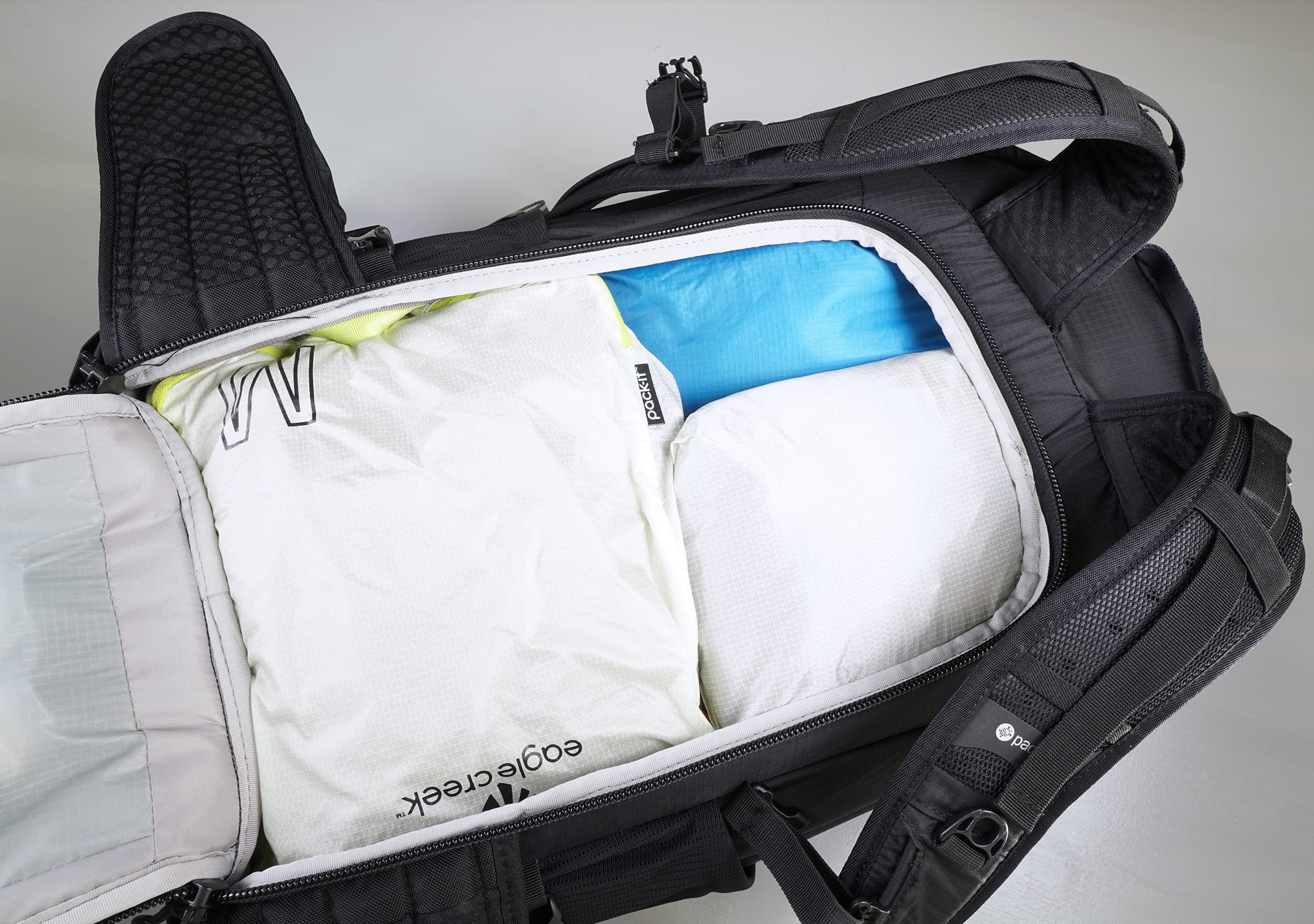 Pacsafe Venturesafe X40 Plus Main Compartment