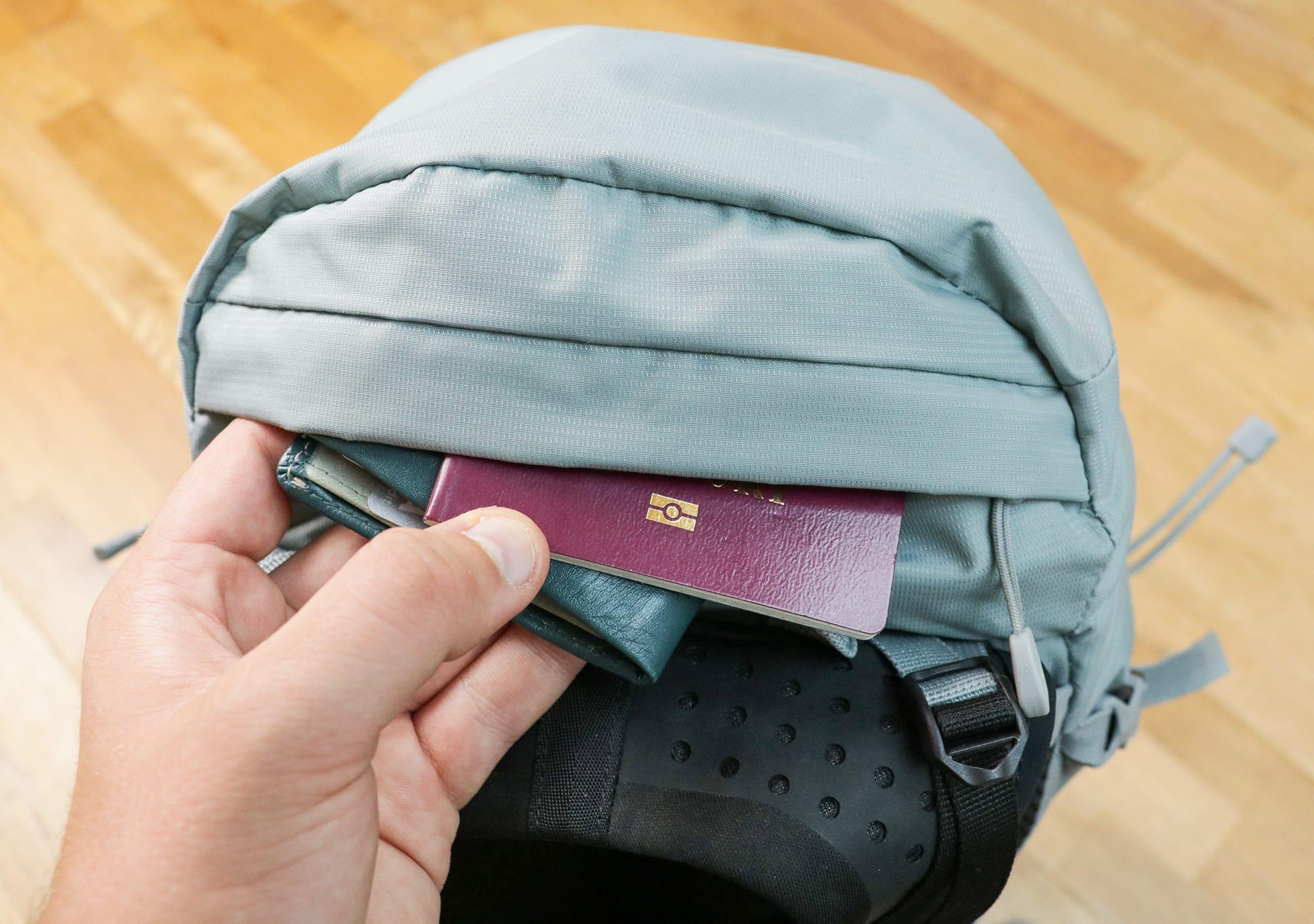 Lowe Alpine Aeon Top Quick-Grab Pocket