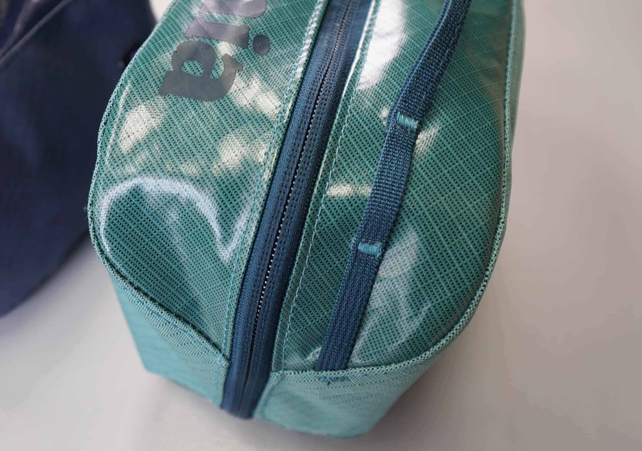 Patagonia Black Hole Cube Daisy Chain & Fabric Detail