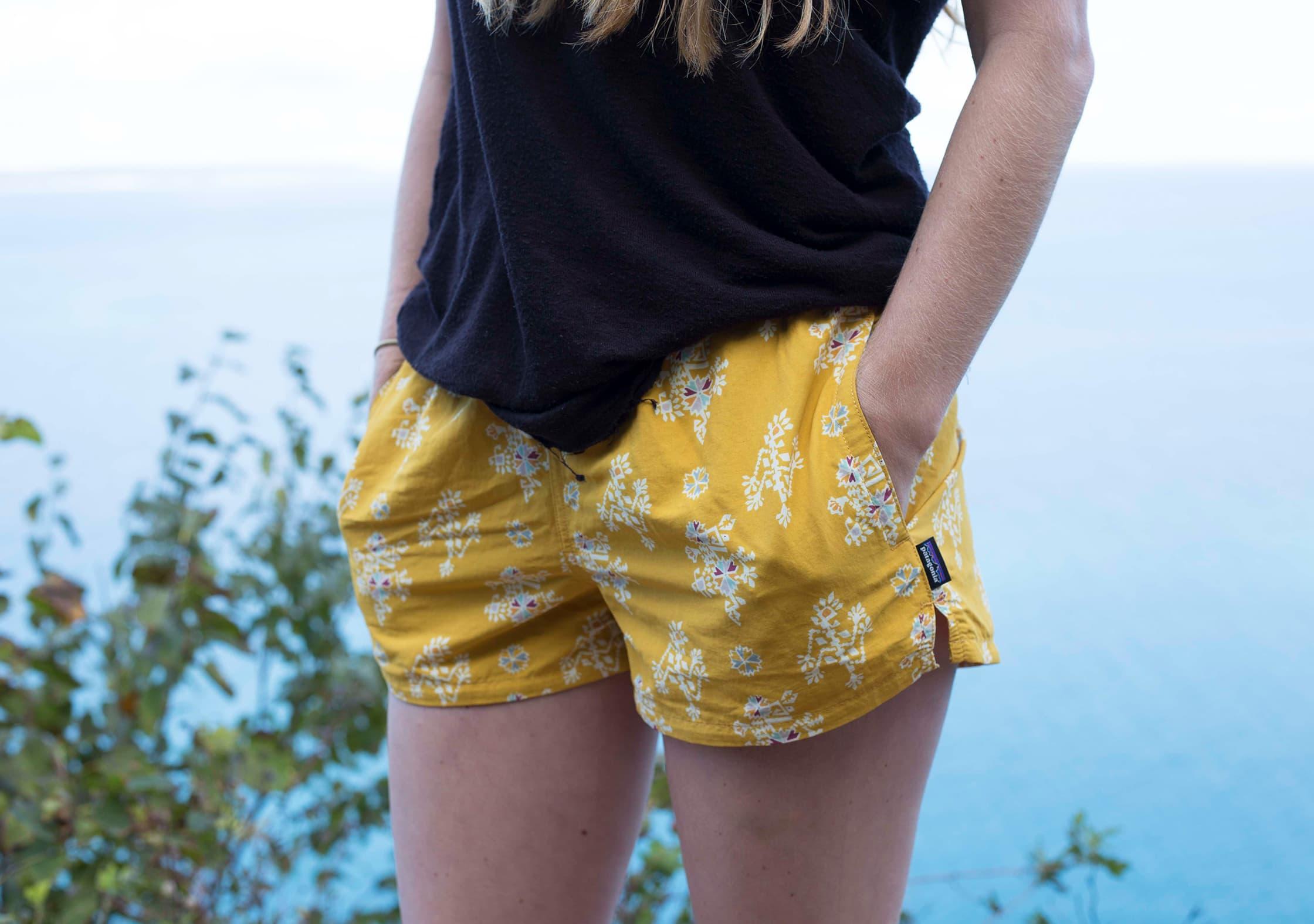 Patagonia Women's Barely Baggies™ Shorts Pockets