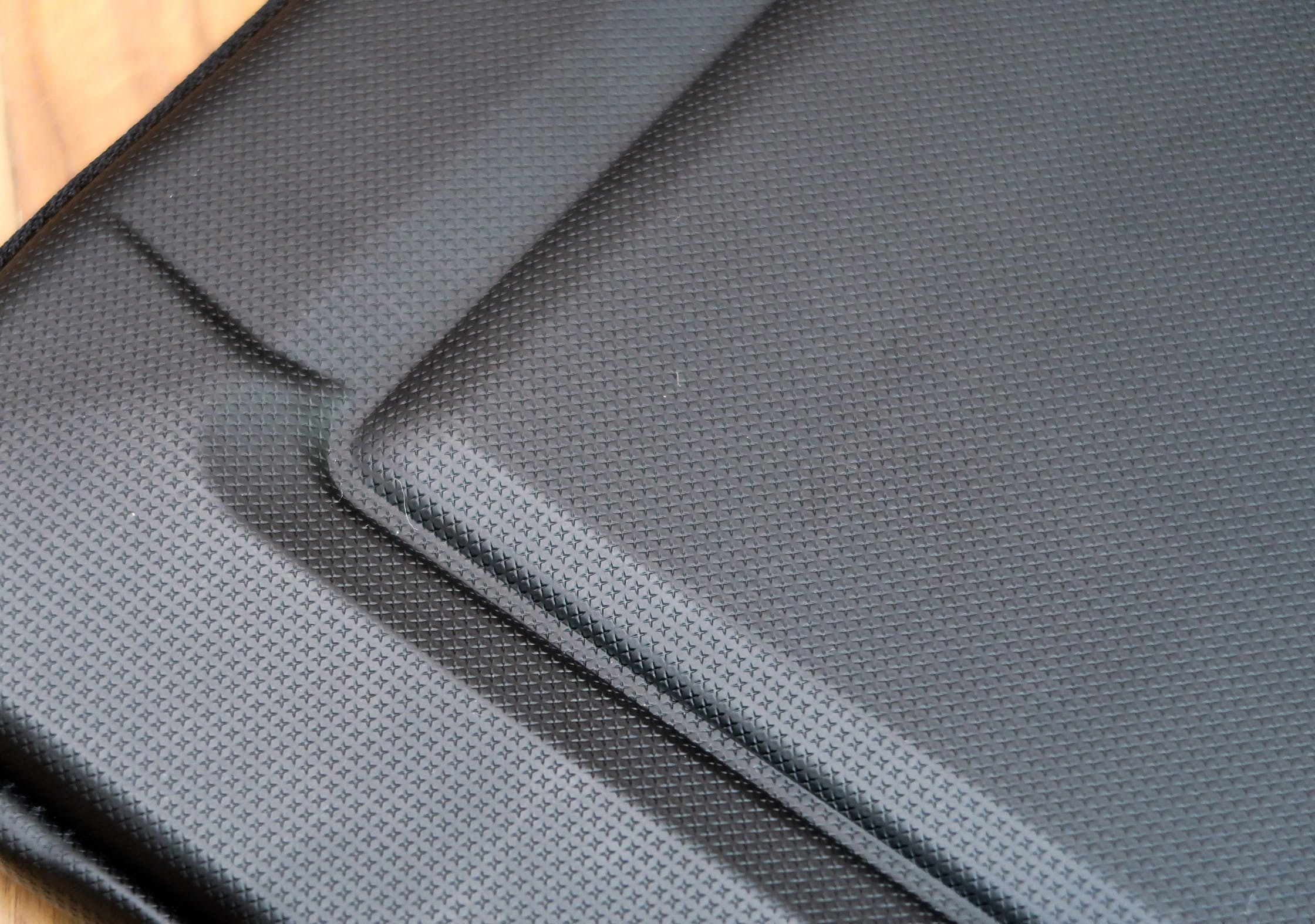 Protective Polyurethane Material On The Thule Gauntlet 3.0 Laptop Sleeve