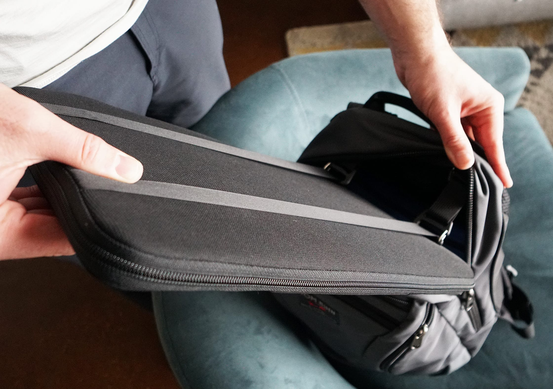 Tom Bihn Synapse 25 Cache In Action