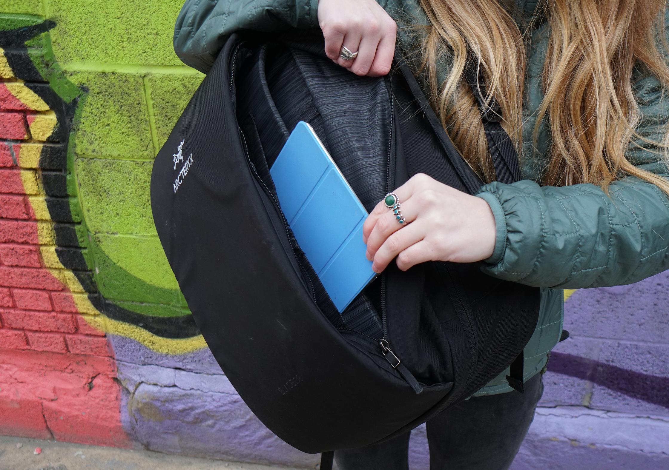 Arc'teryx Blade 28 Backpack Front Pocket