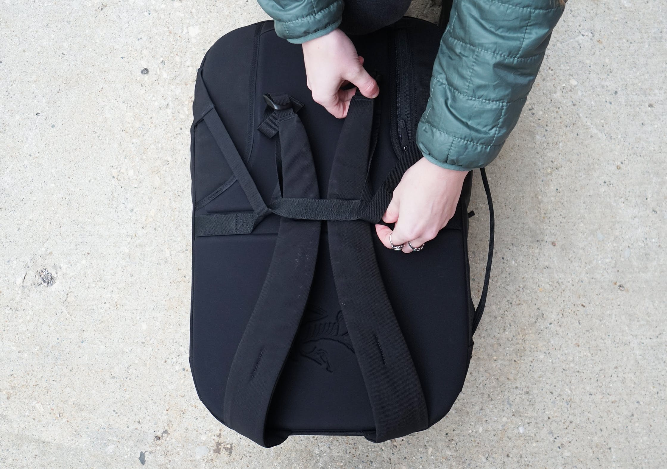Arc'teryx Blade 28 Backpack Straps In Pass-through