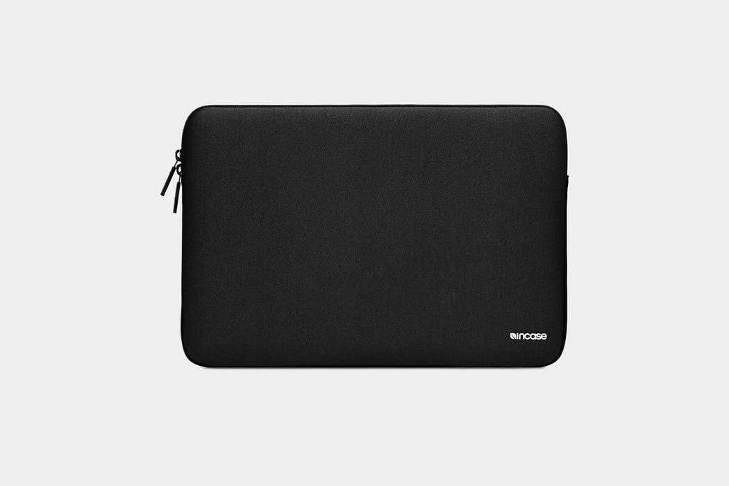 Incase Classic Sleeve For MacBook 15 Featuring Ariaprene