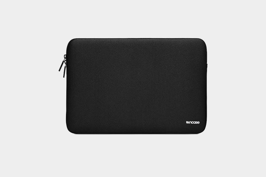 Incase Classic Sleeve For MacBook 15 Featuring Ariaprene
