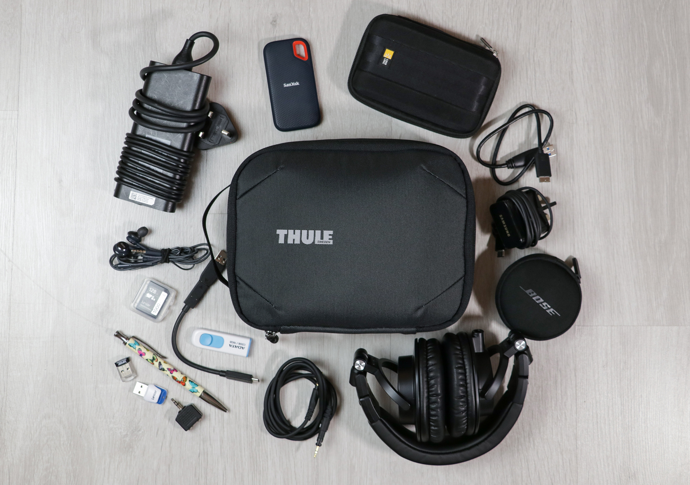 Thule Subterra Powershuttle Plus Flat Lay