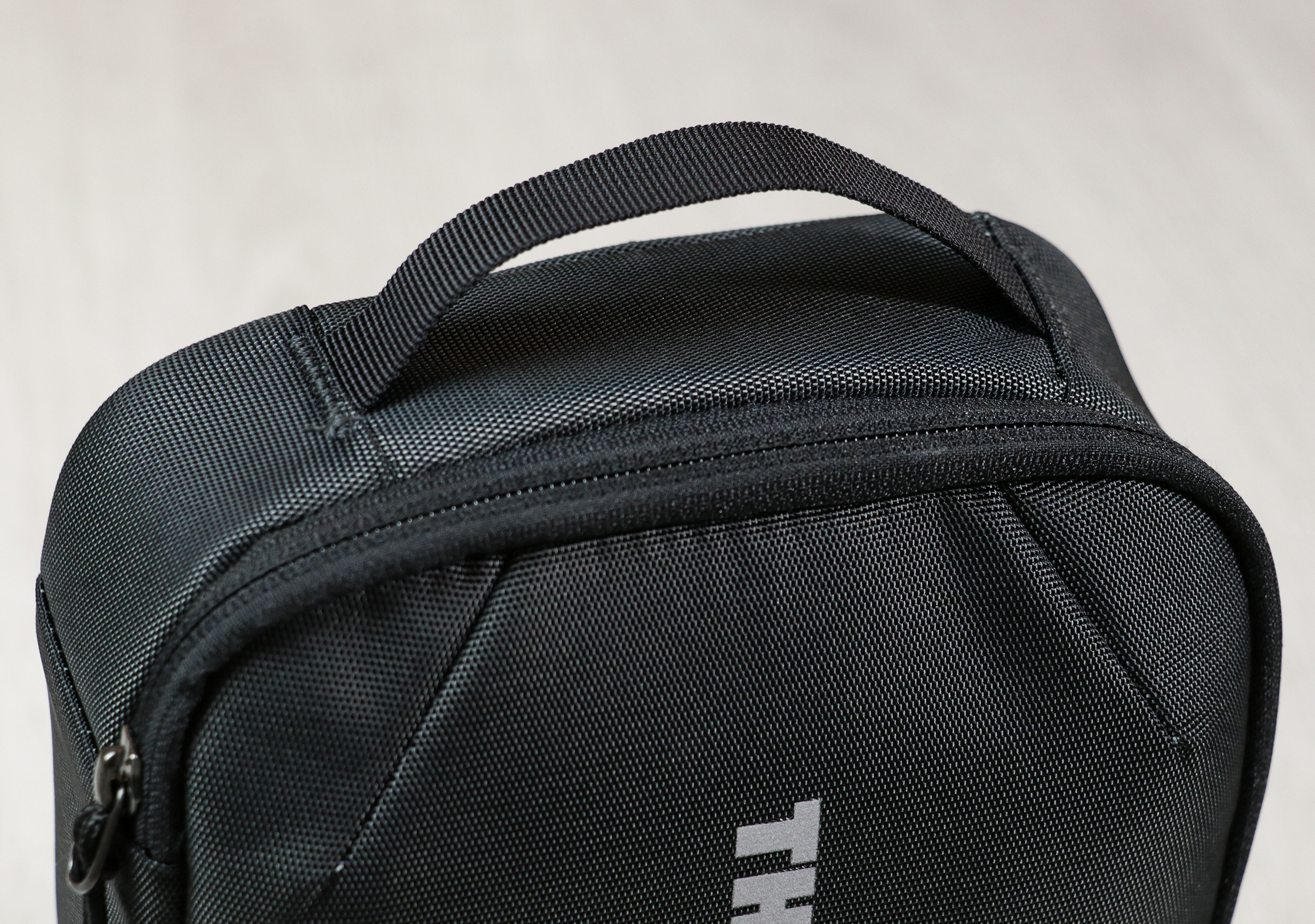 Thule Subterra Powershuttle Plus Grab Handle