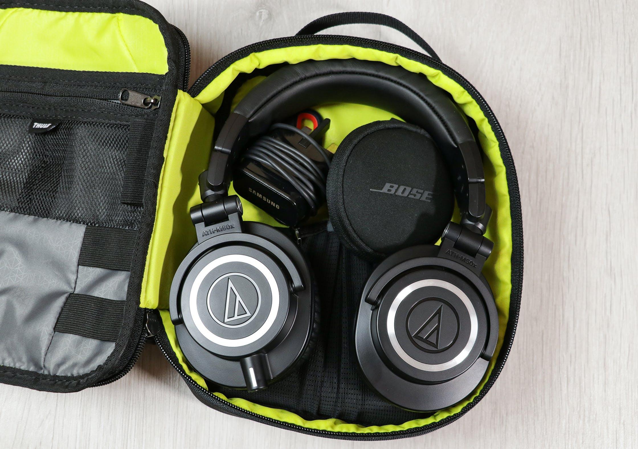 Thule Subterra Powershuttle Plus With Headphones Inside