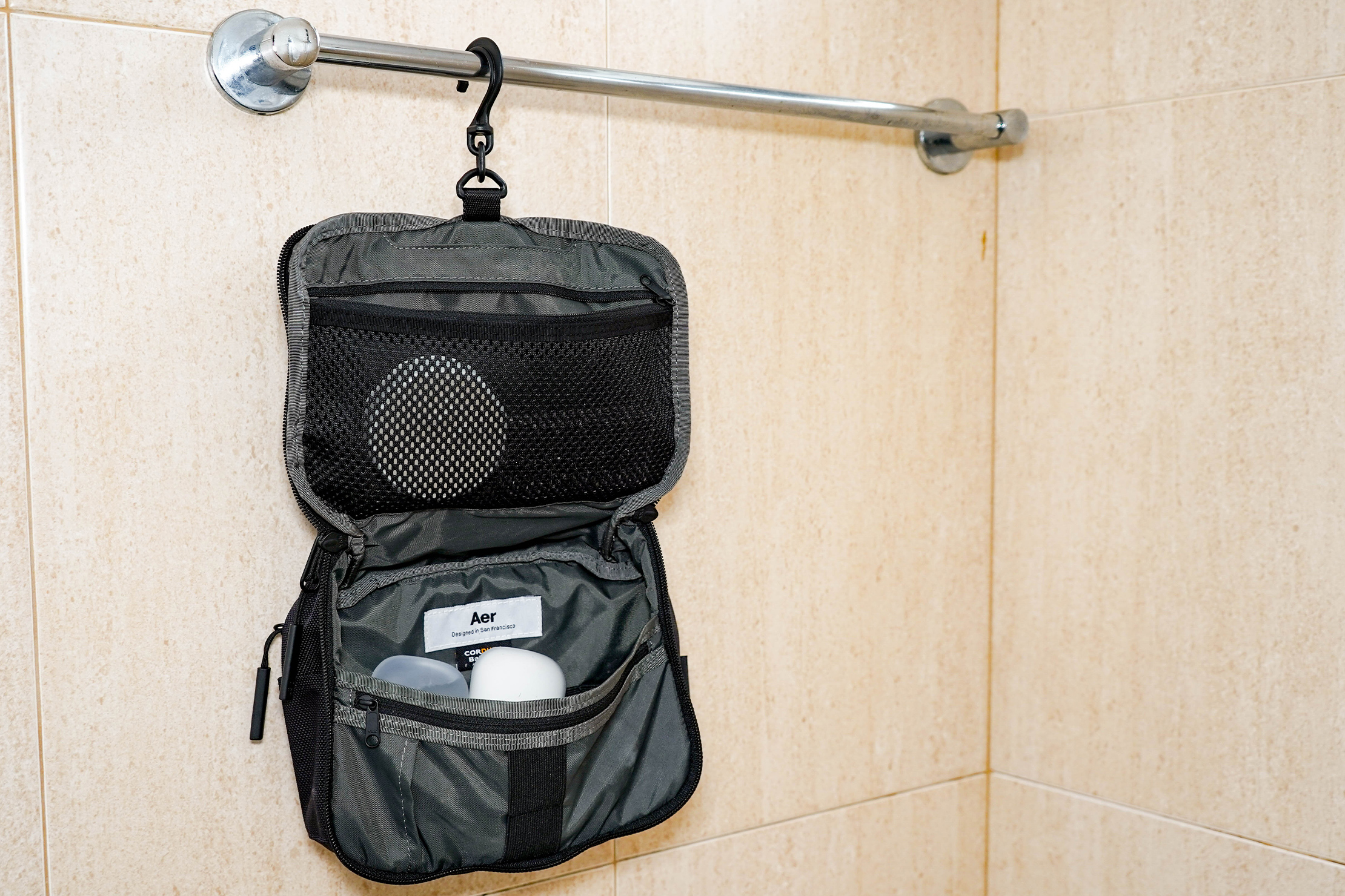 Aer Travel Kit Hanging