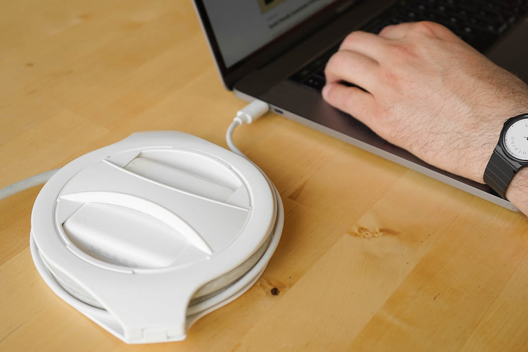 Fuse Reel The Side Winder With Laptop