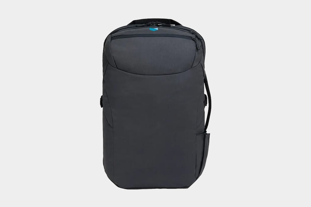 Minaal Carry-on 2.0 Bag Review