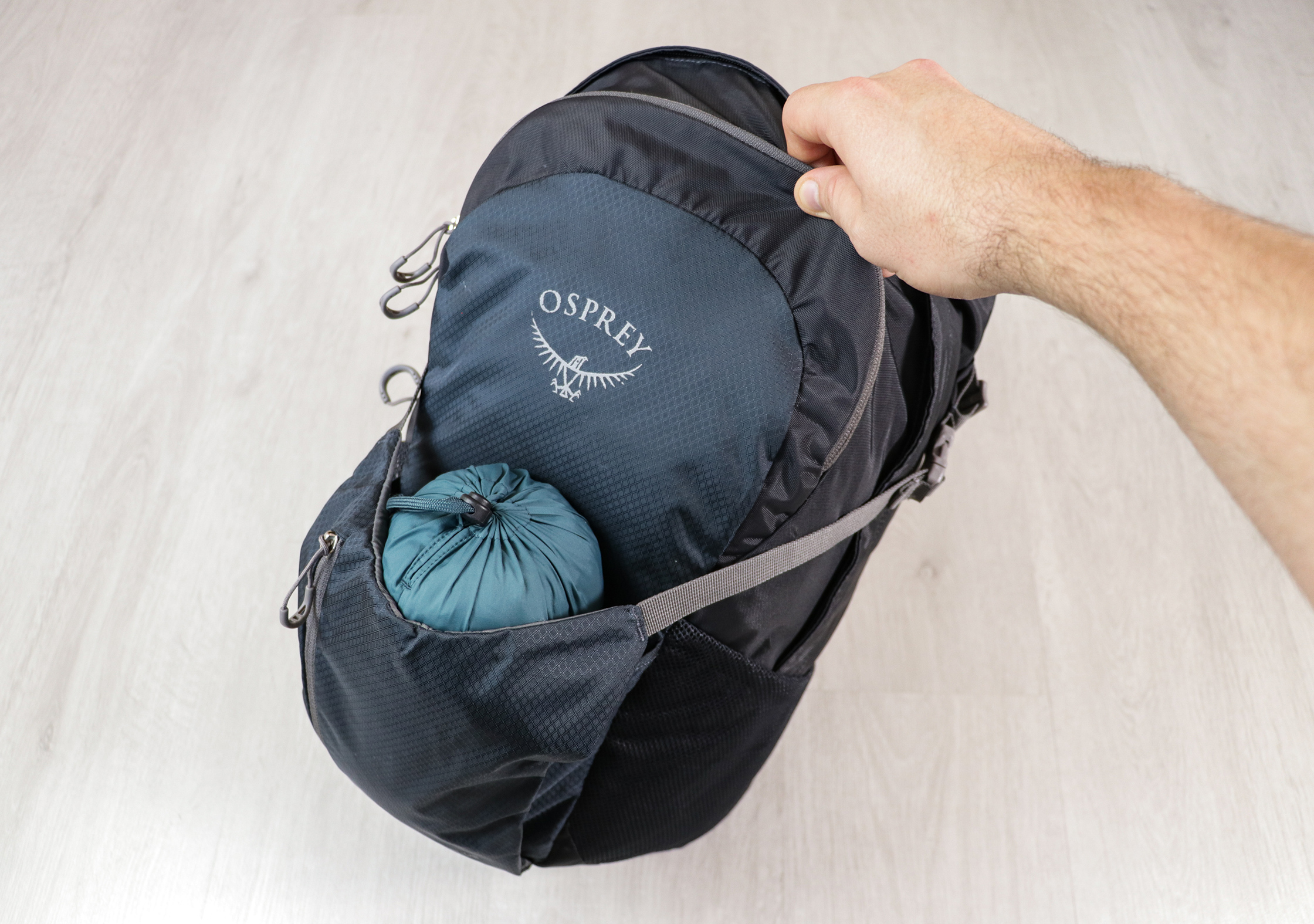 Osprey Daylite Plus Front Stretch Pocket