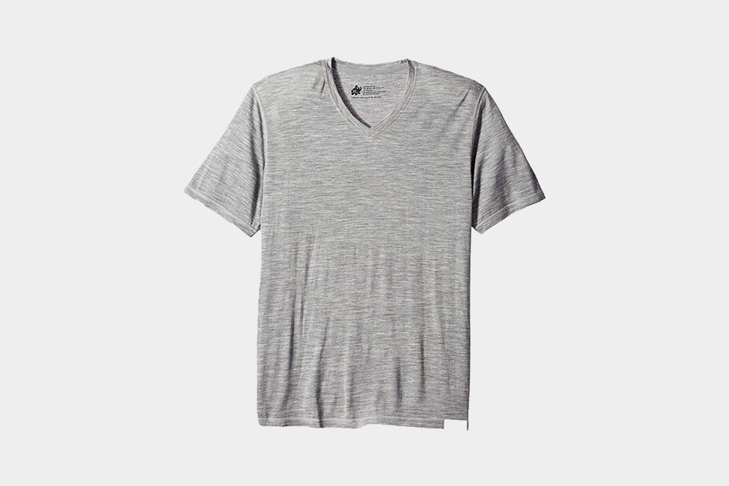Woolly Ultralight V-Neck Review