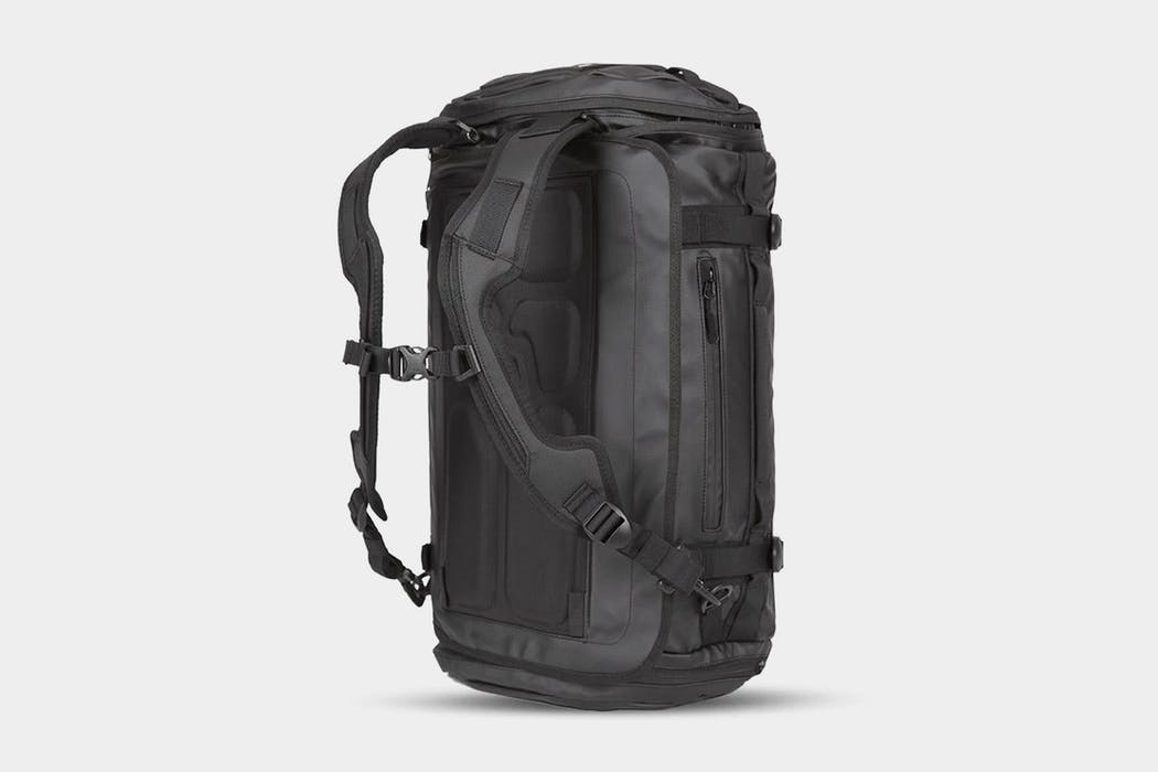 WANDRD HEXAD Carryall Travel Duffel