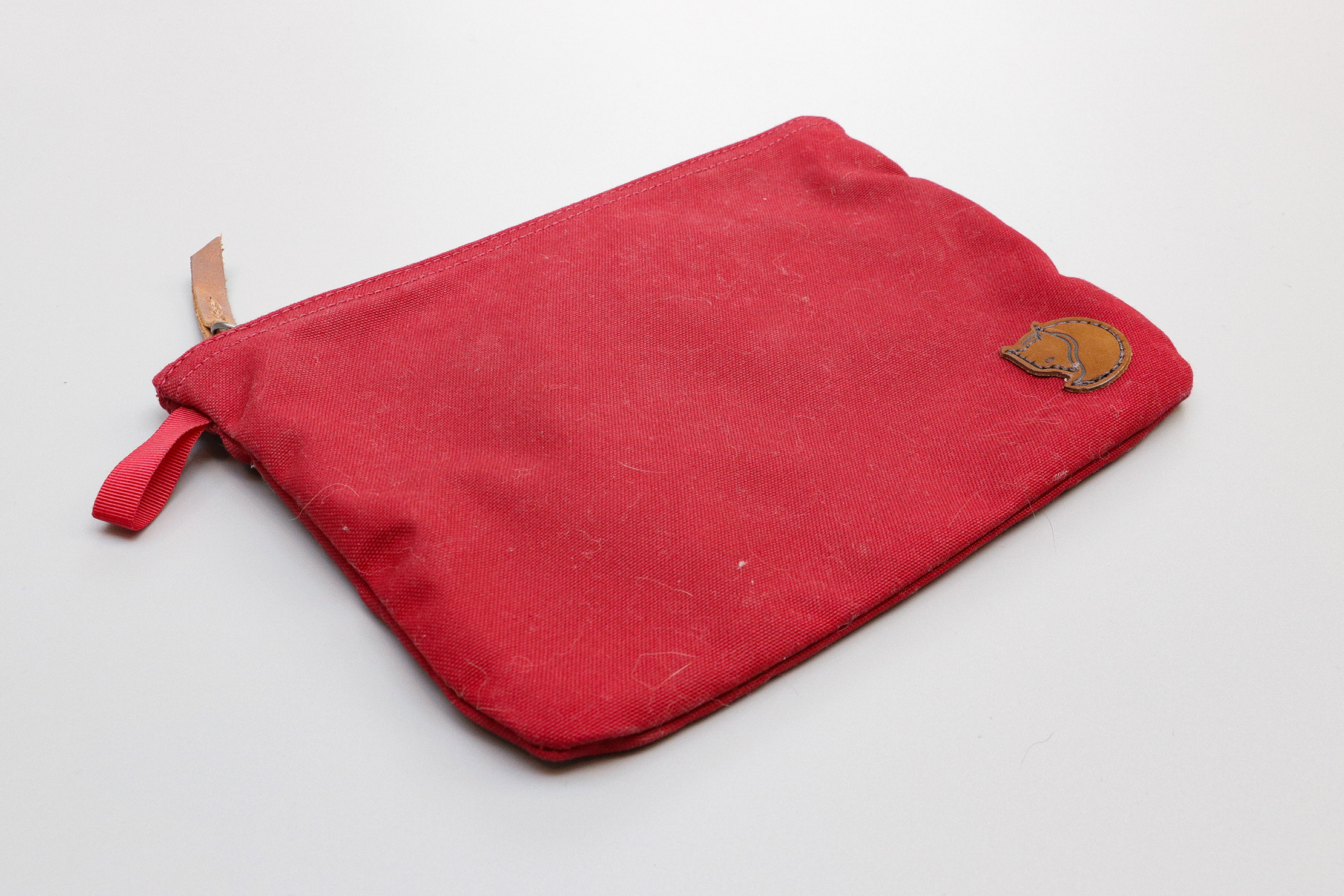 Dust On The Red Fjallraven Gear Pocket
