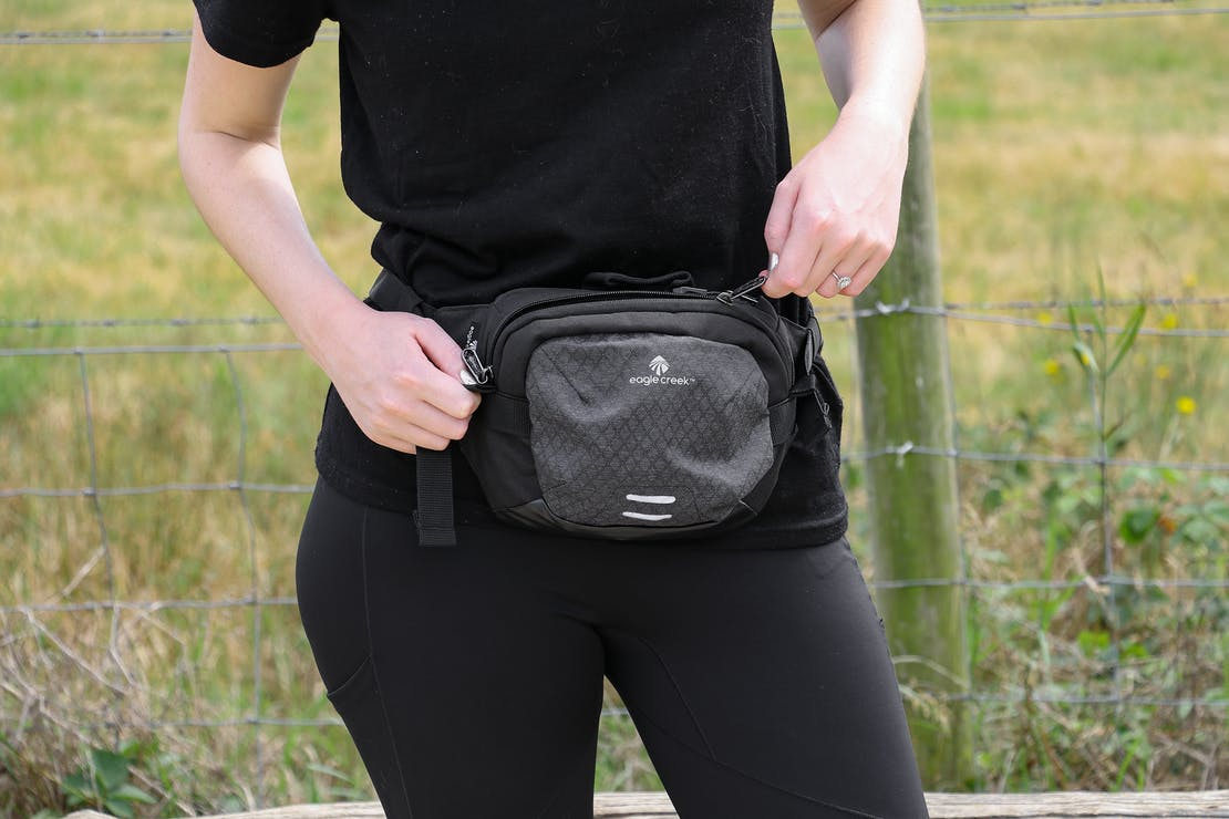 Eagle Creek Wayfinder Waist Pack In Essex England