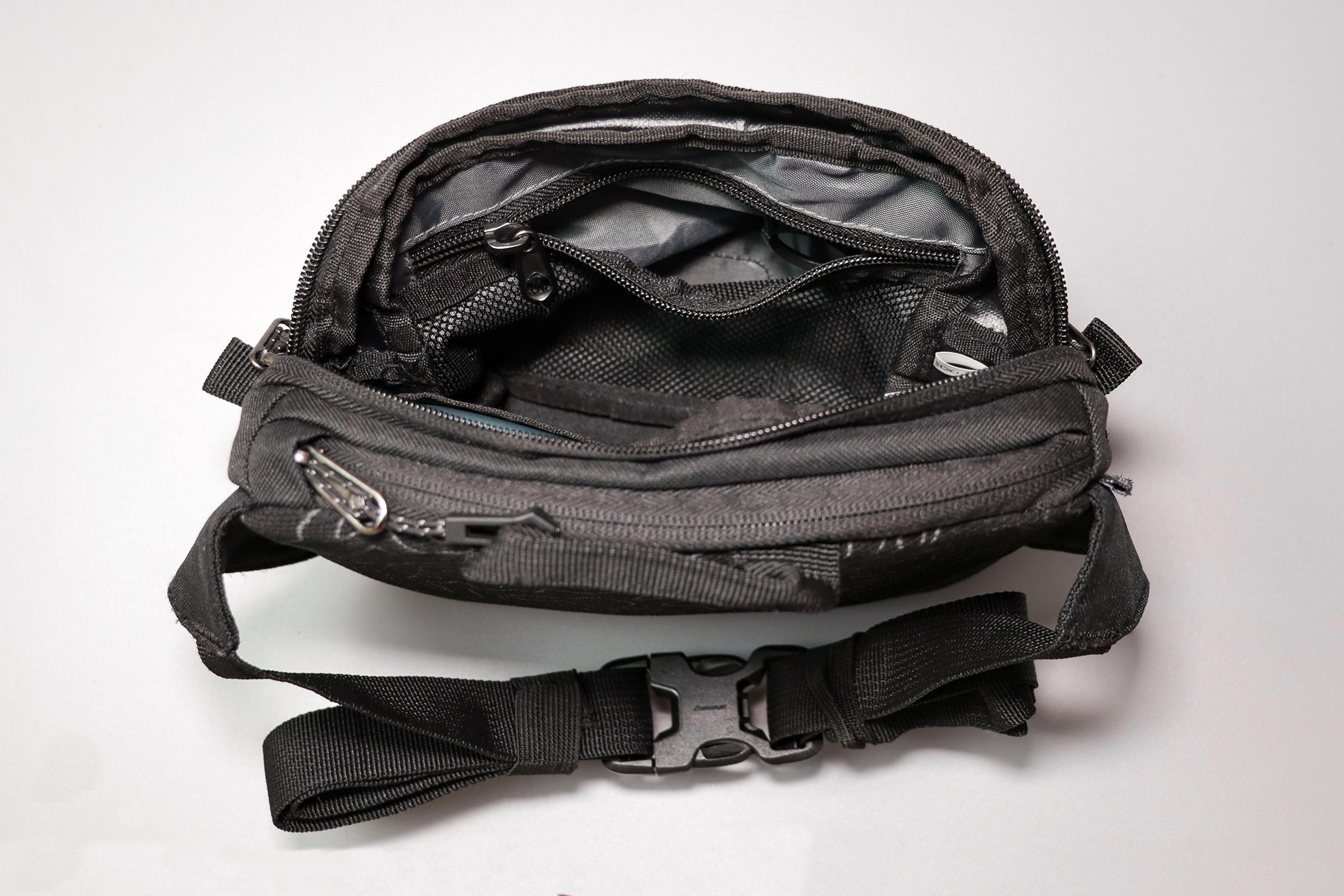 Eagle Creek Wayfinder Waist Pack Internal Mesh Pocket