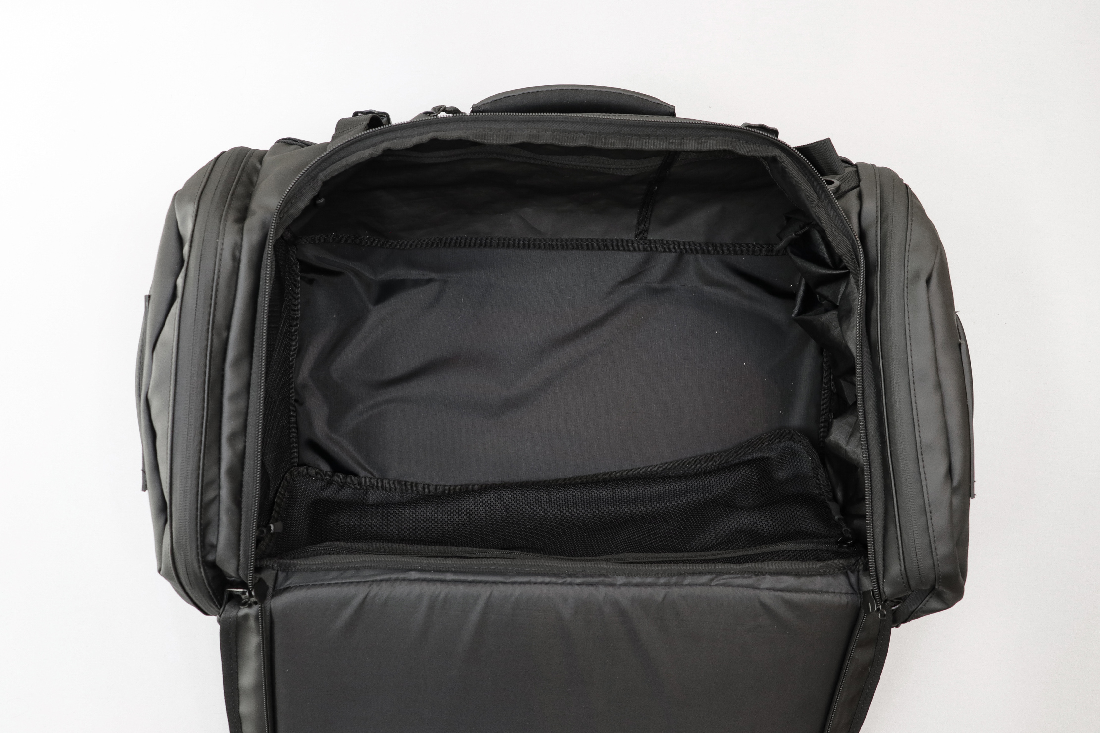 WANDRD HEXAD Carryall Duffel Main Compartment