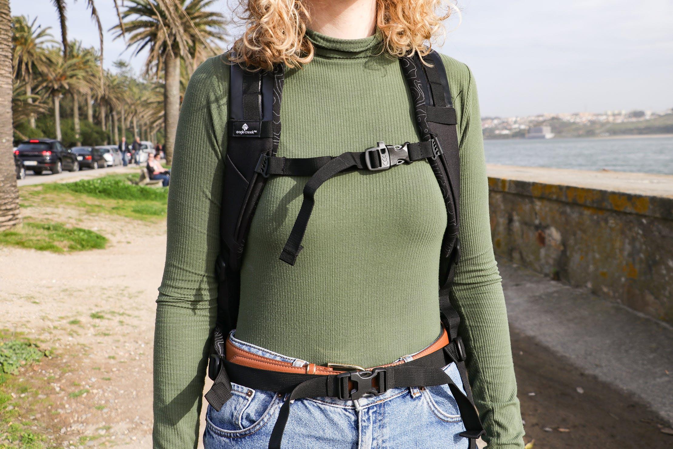 Eagle Creek Wayfinder Backpack 40L Sternum Strap & Hip Belt