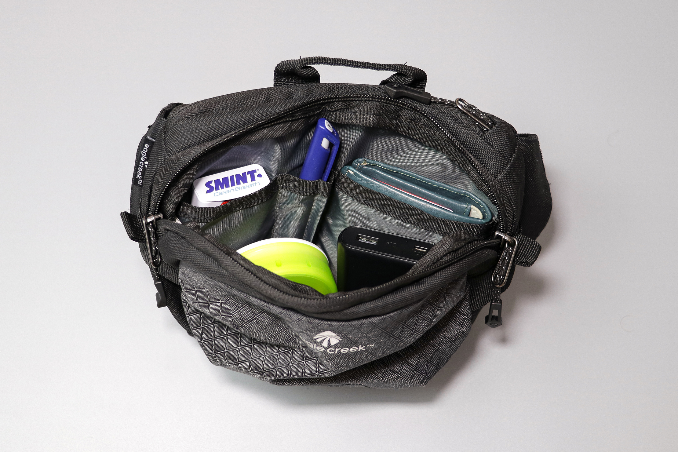 Eagle Creek Wayfinder Waist Pack Main Compartment