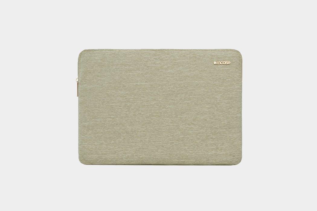 Incase Ecoya Line Laptop Sleeve